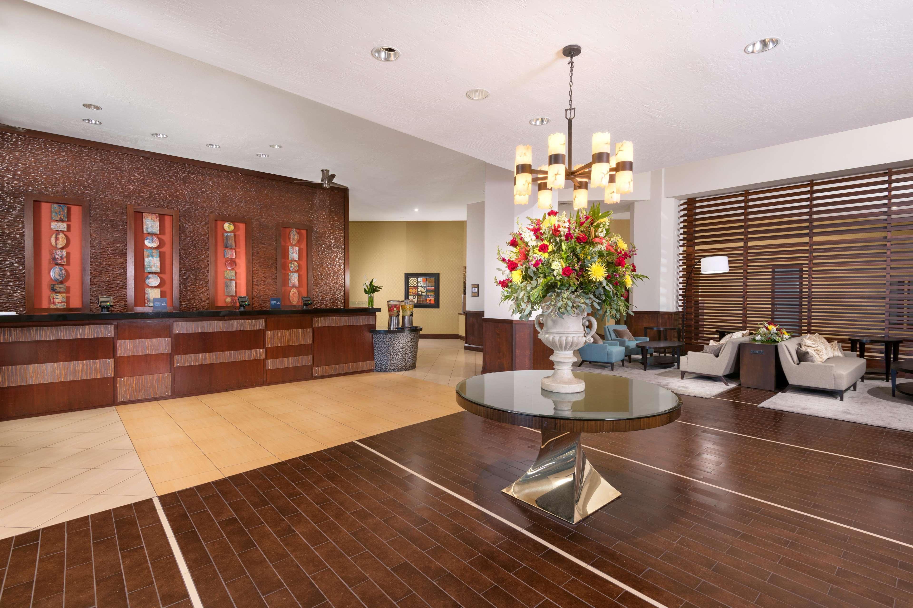 Hilton Phoenix/Mesa image 3