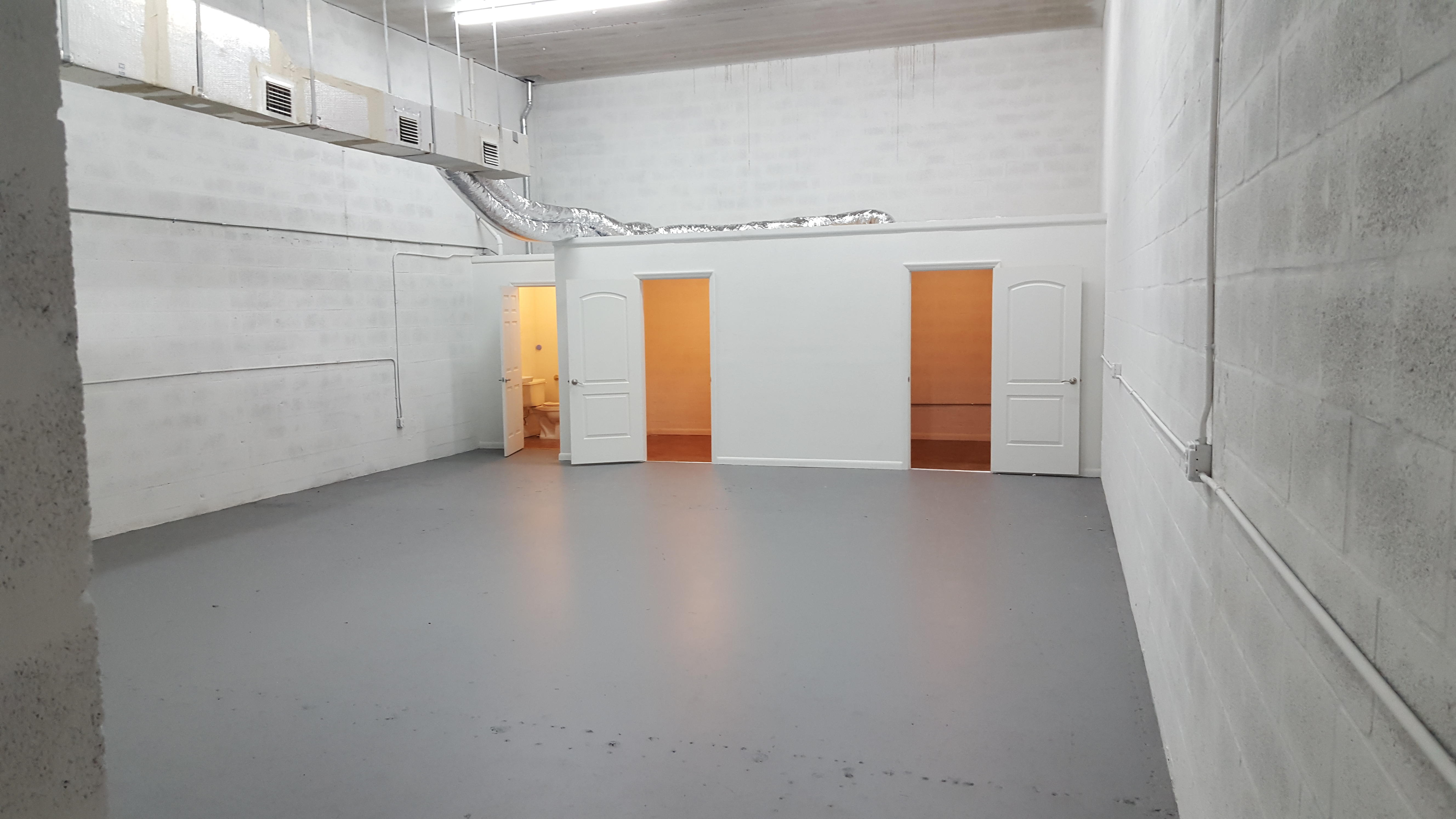 Warehouse for Rent in Miami image 8