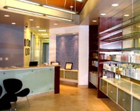 Skinzone Medical: Hannah Vu, MD is a Cosmetic Surgeon serving Santa Ana, CA
