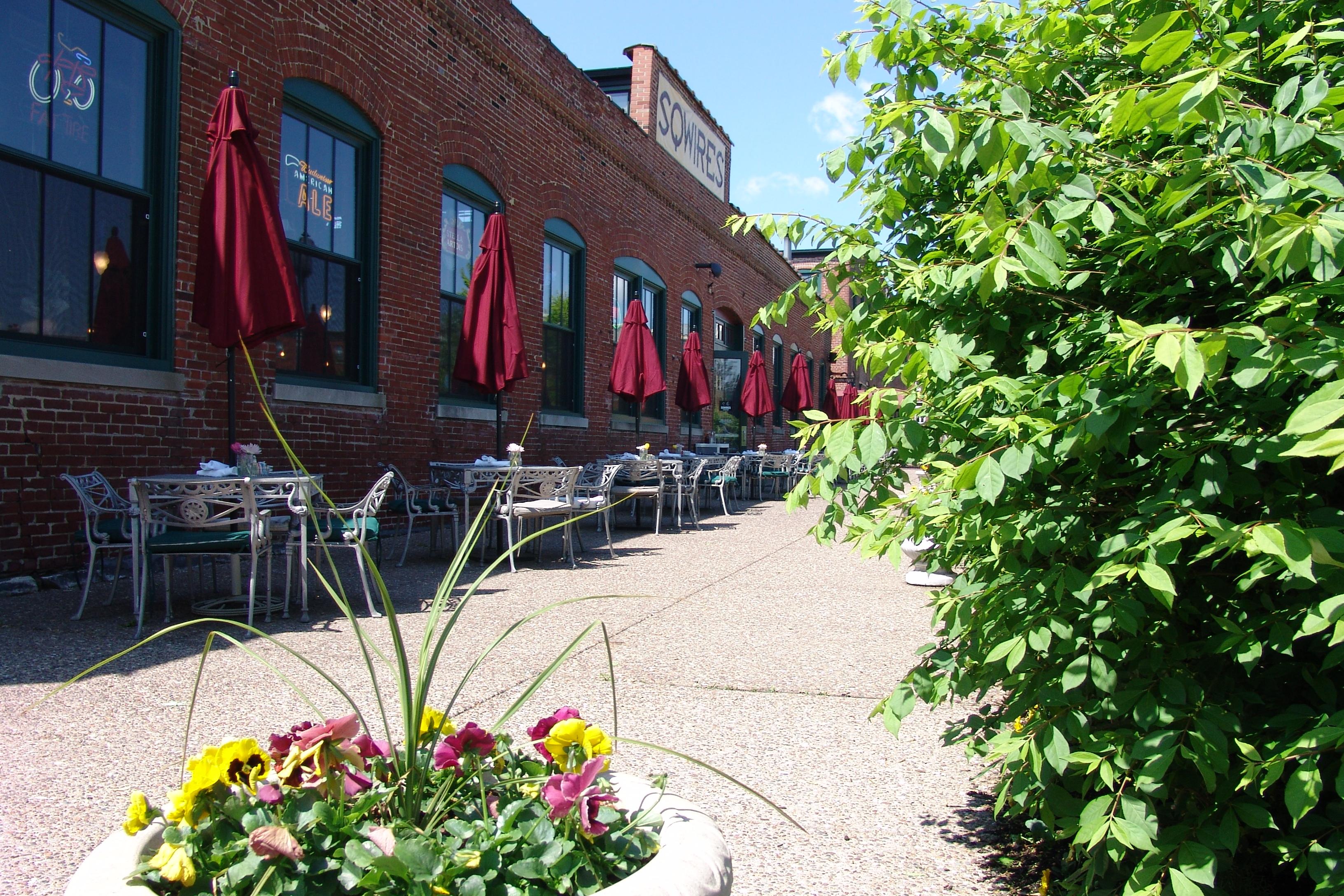 SqWires Restaurant & Annex image 1