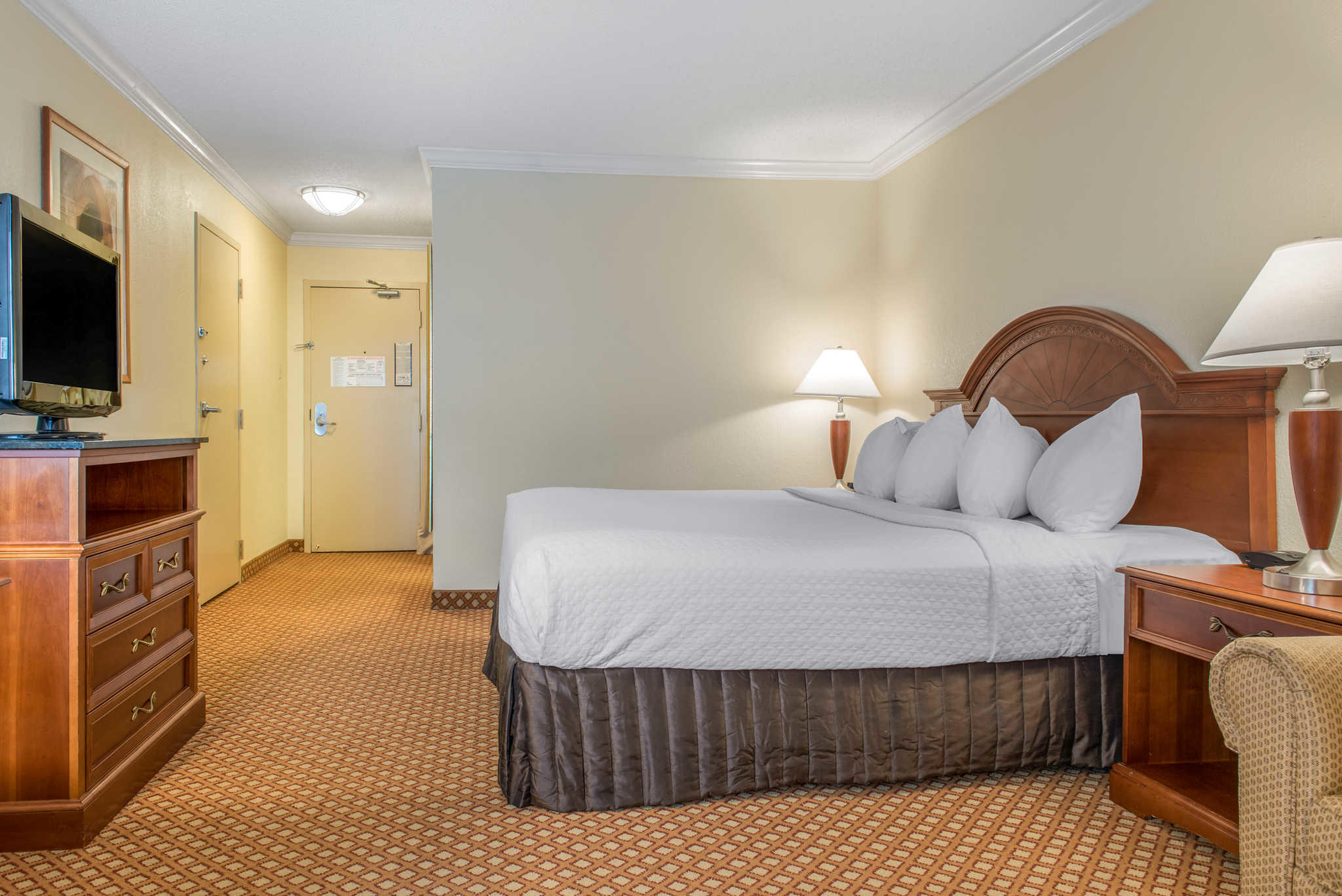 Quality Hotel - Cincinnati Blue Ash image 13
