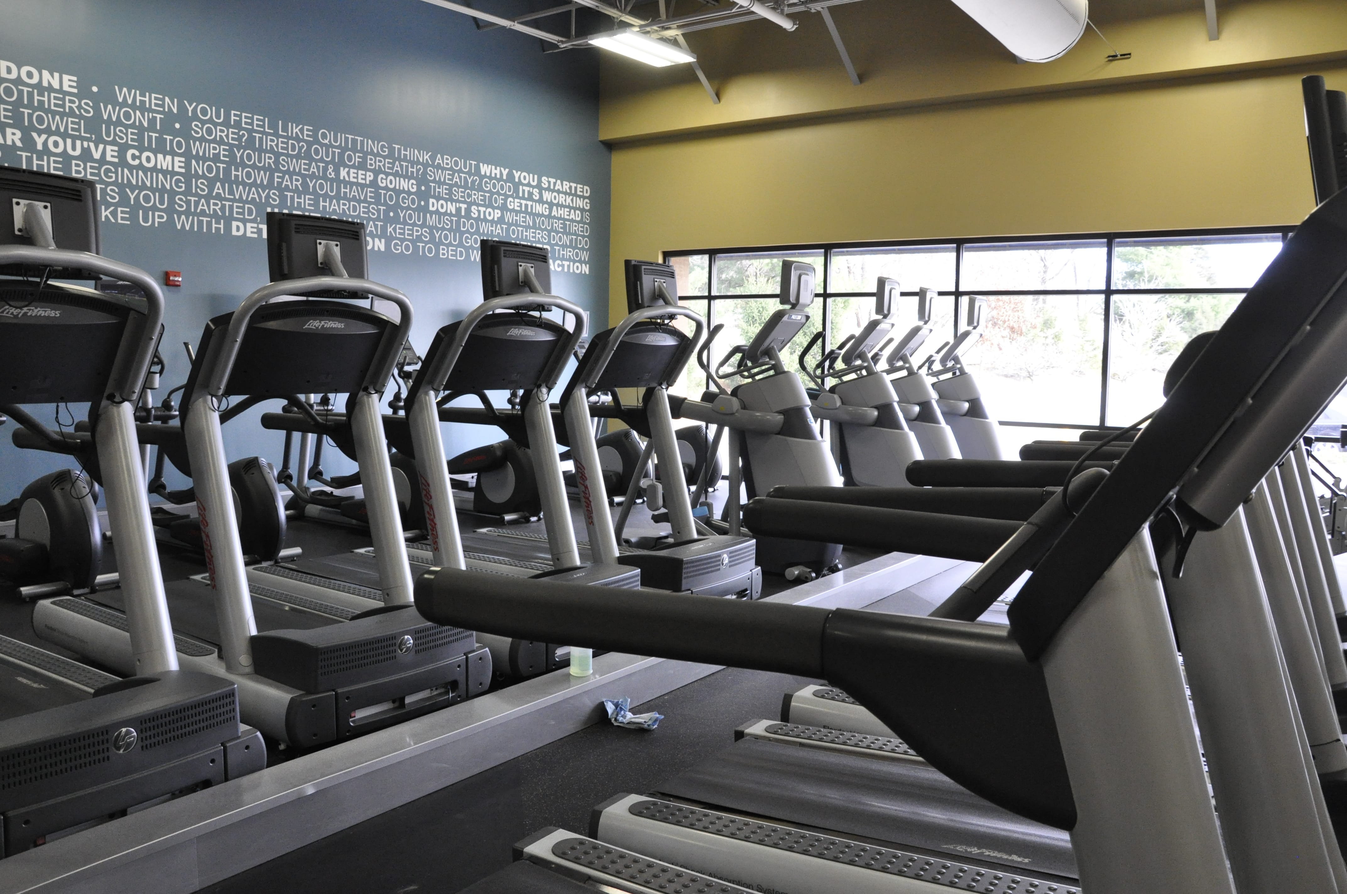 Club Fitness image 2