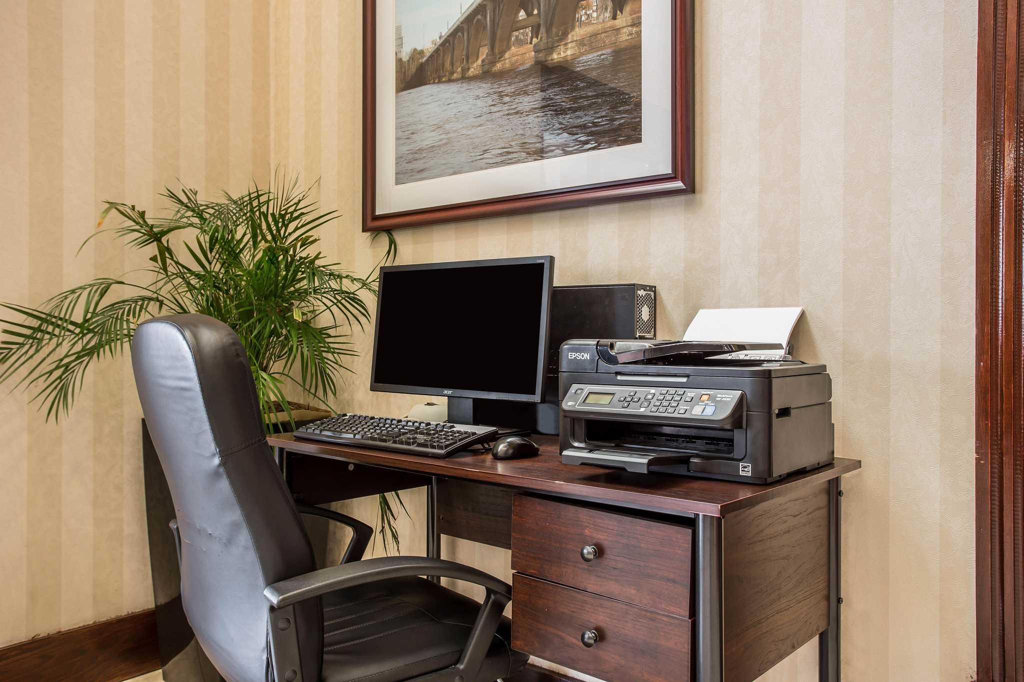 Comfort Inn & Suites Ft.Jackson Maingate image 29