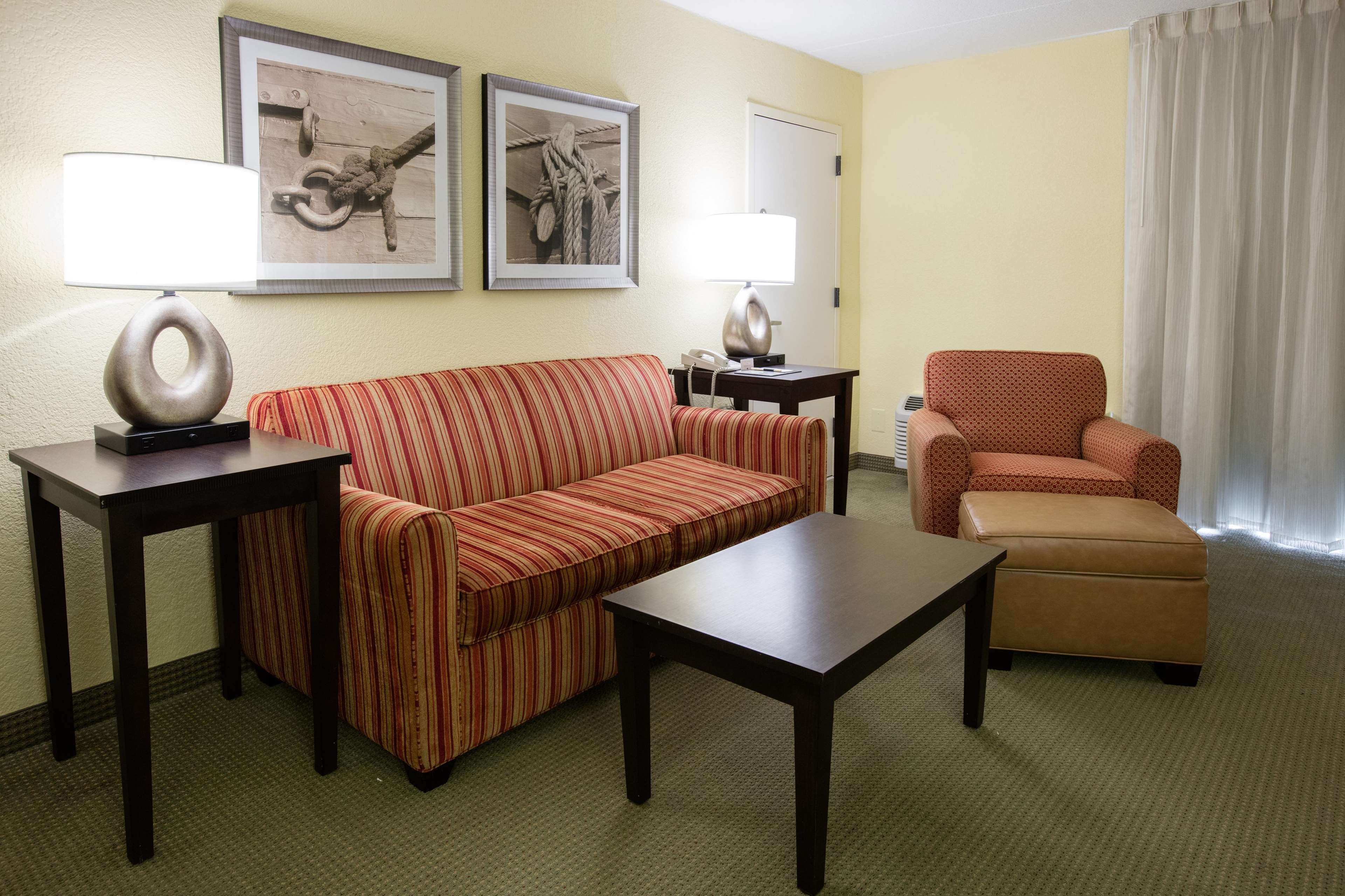 DoubleTree by Hilton Hotel Cocoa Beach Oceanfront image 44