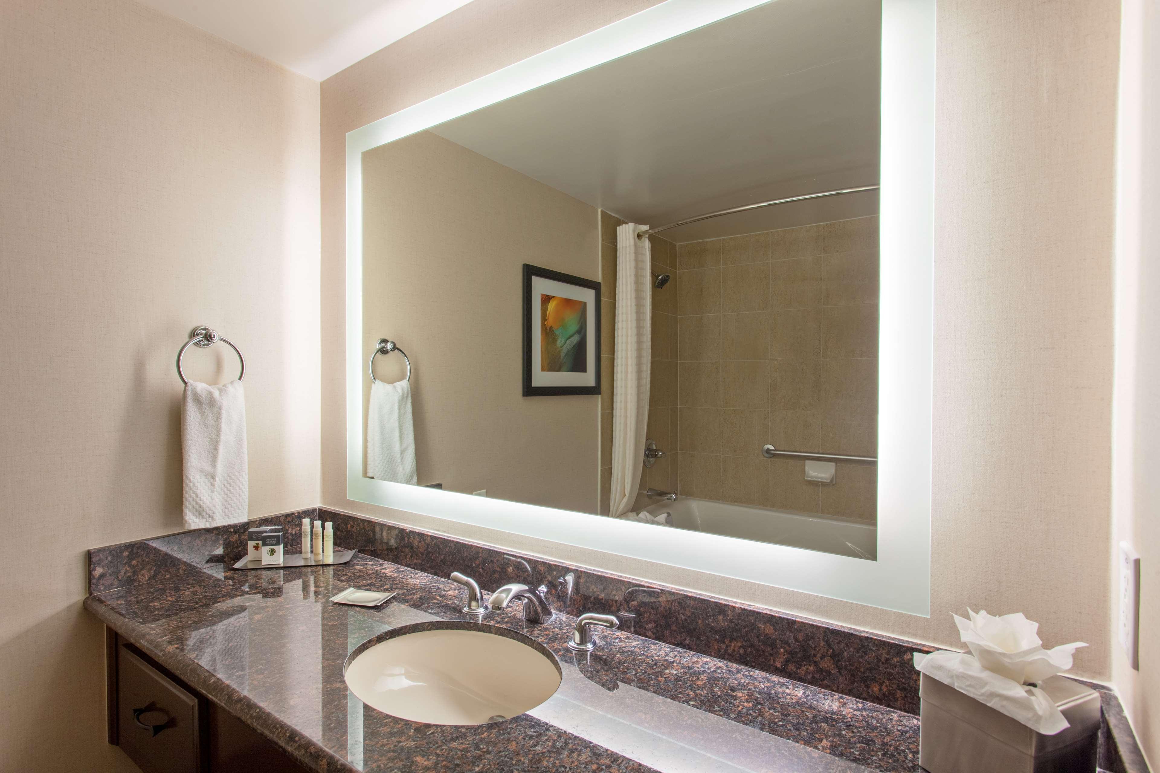 DoubleTree by Hilton Hotel San Bernardino image 18