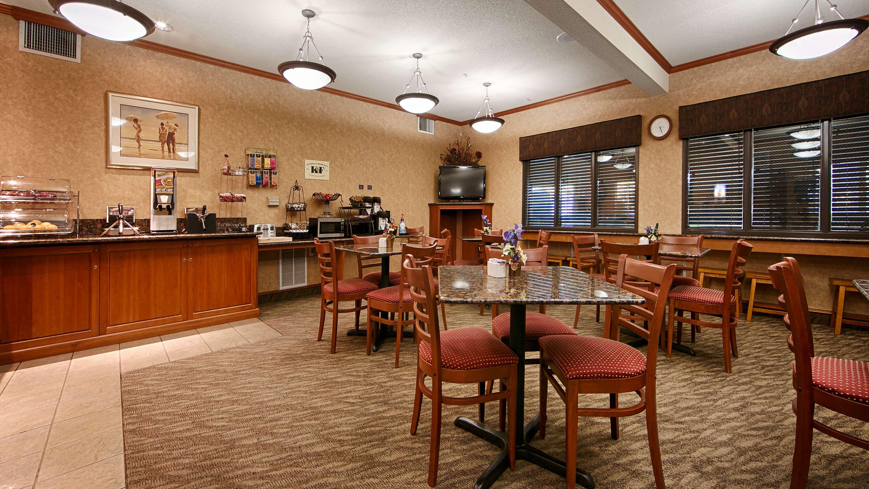 Best Western Plus Northwind Inn & Suites image 14