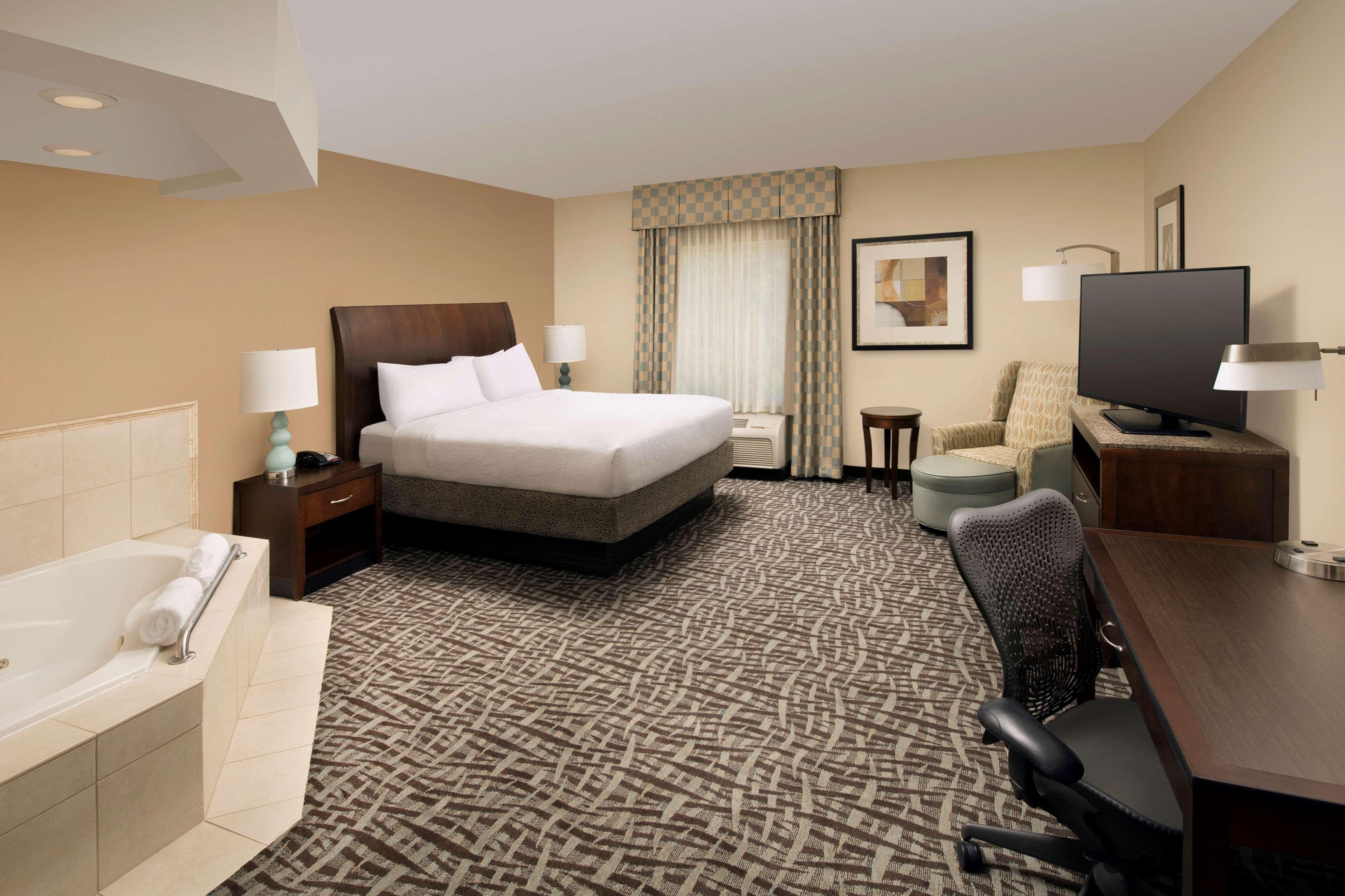Hilton Garden Inn Winston-Salem/Hanes Mall image 18