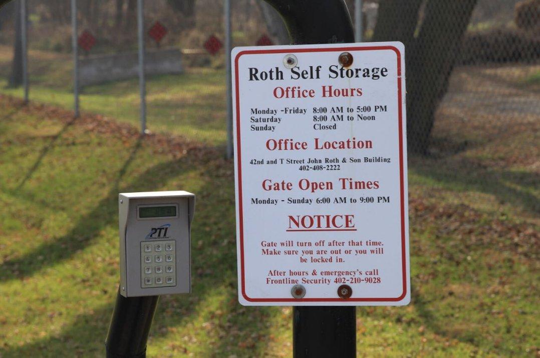 Roth Self Storage image 9