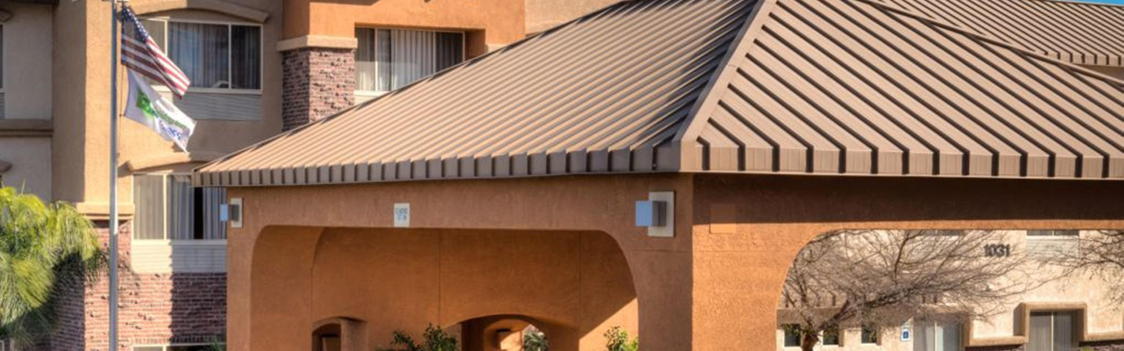 Holiday Inn Express & Suites Phoenix Tempe - University image 0