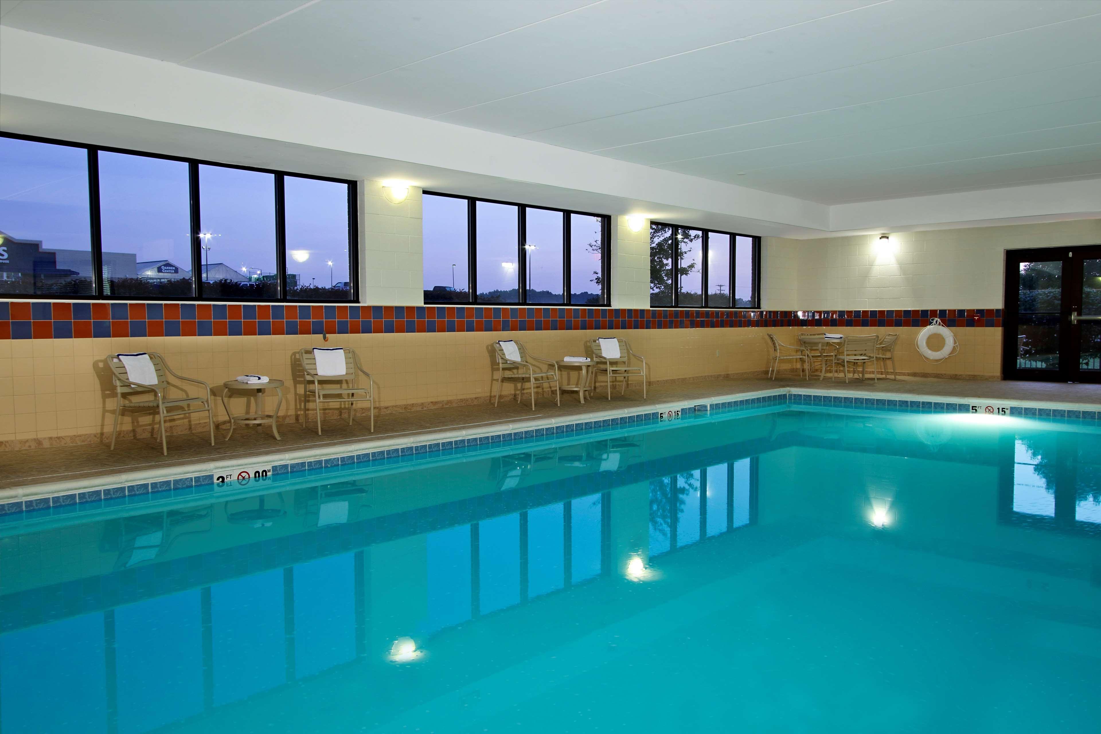 Hampton Inn & Suites Murray image 6