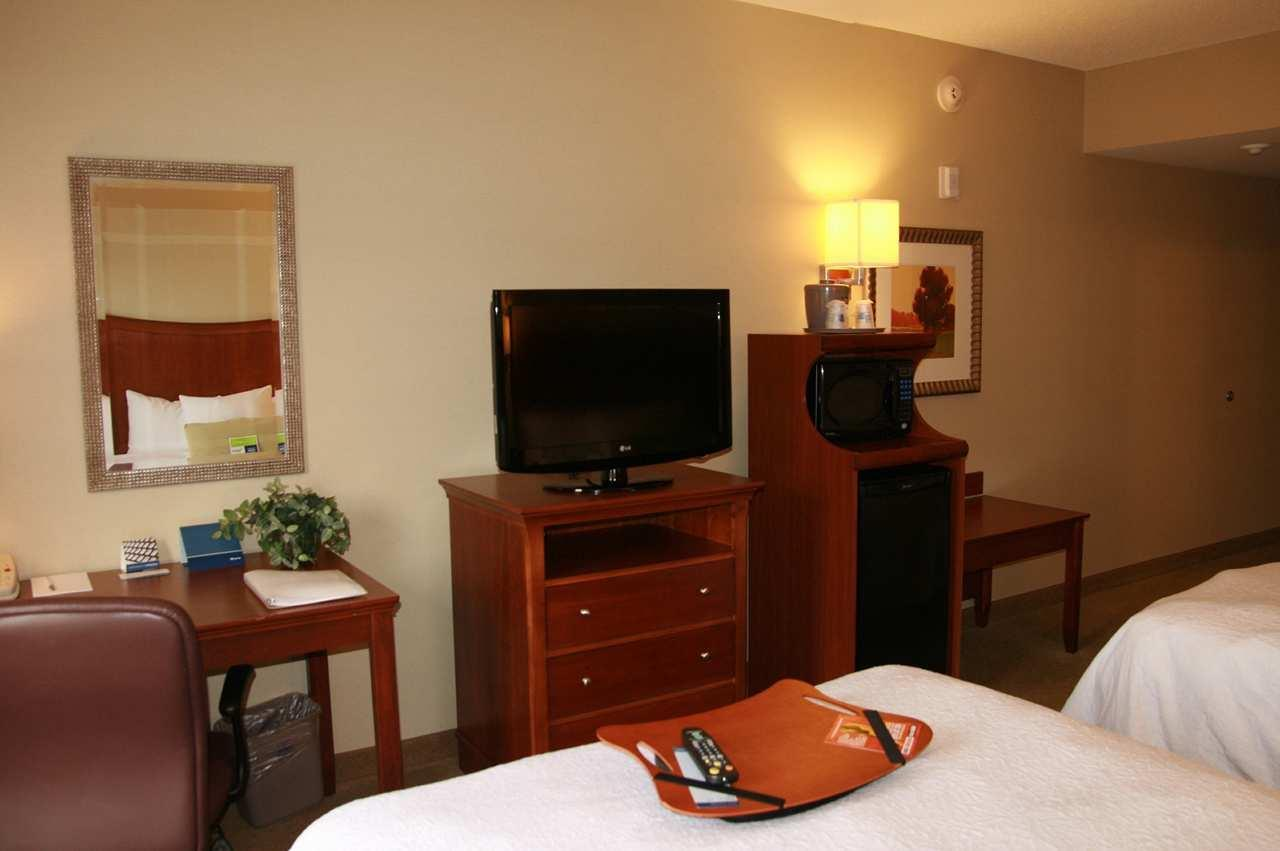 Hampton Inn & Suites Albany-Airport image 25