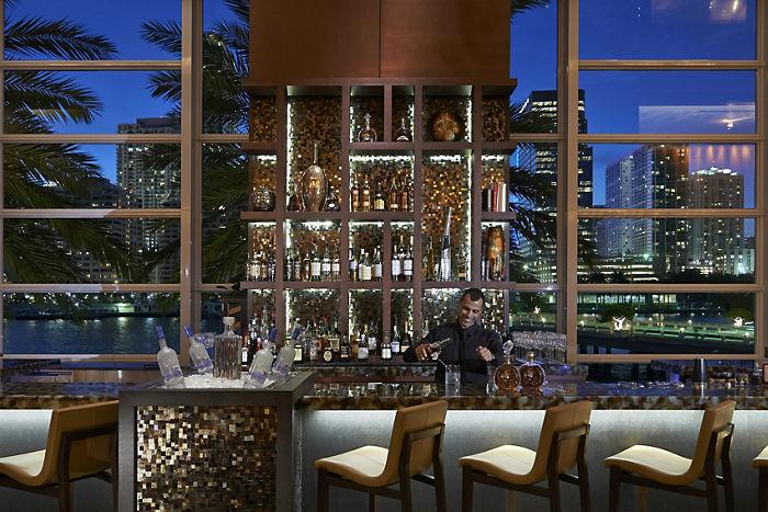MO Bar & Lounge image 0