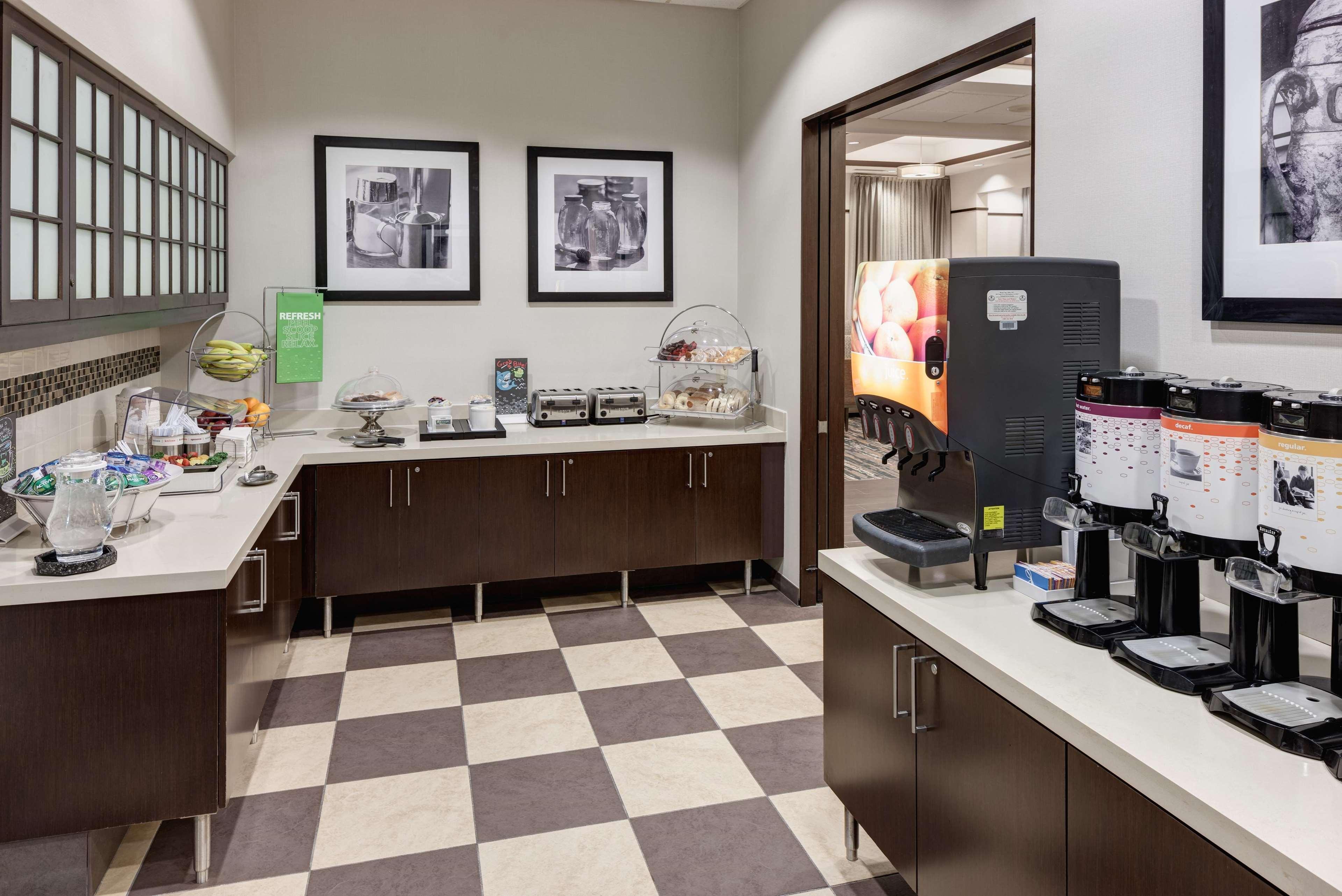 Hampton Inn & Suites Chicago-North Shore/Skokie image 22