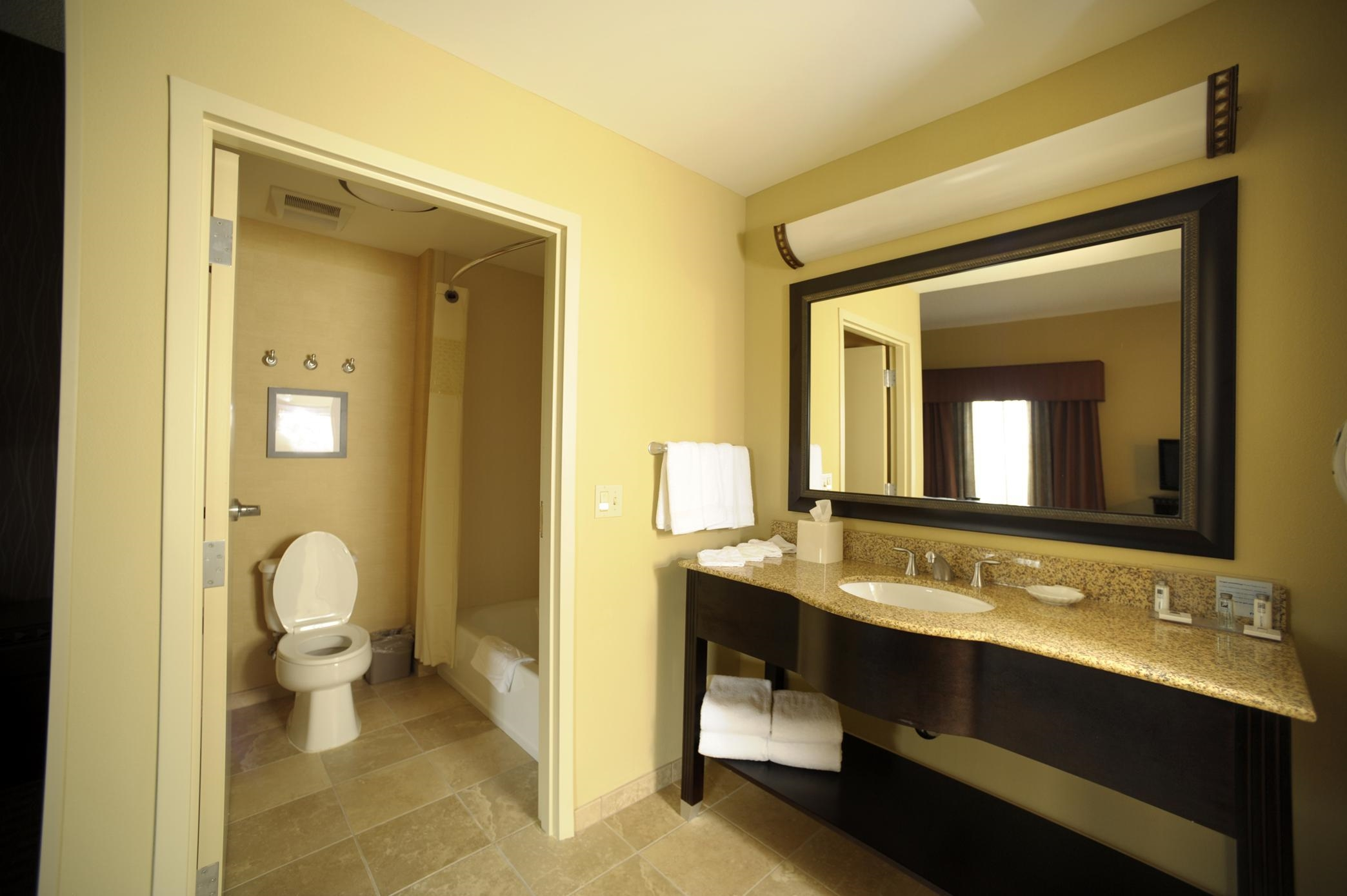 Hampton Inn & Suites Chadds Ford image 13
