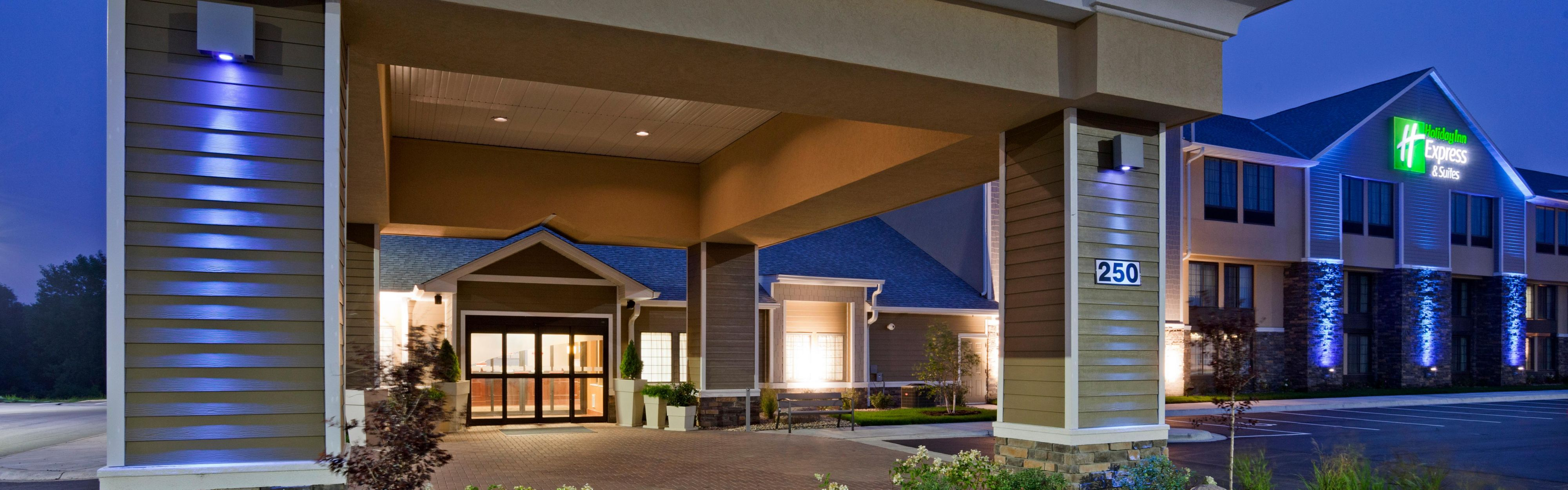 Holiday Inn Express & Suites Willmar image 0
