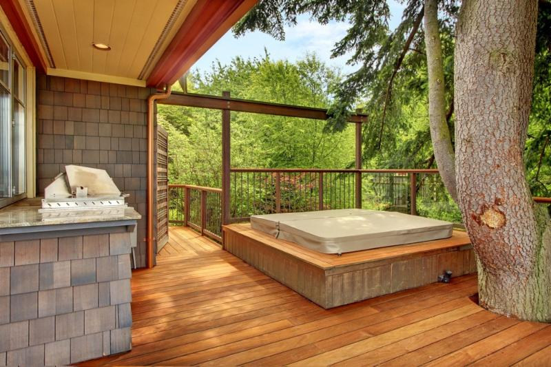 Hot Tub Cover Manufacturers (J&M Upholstery) in Langley