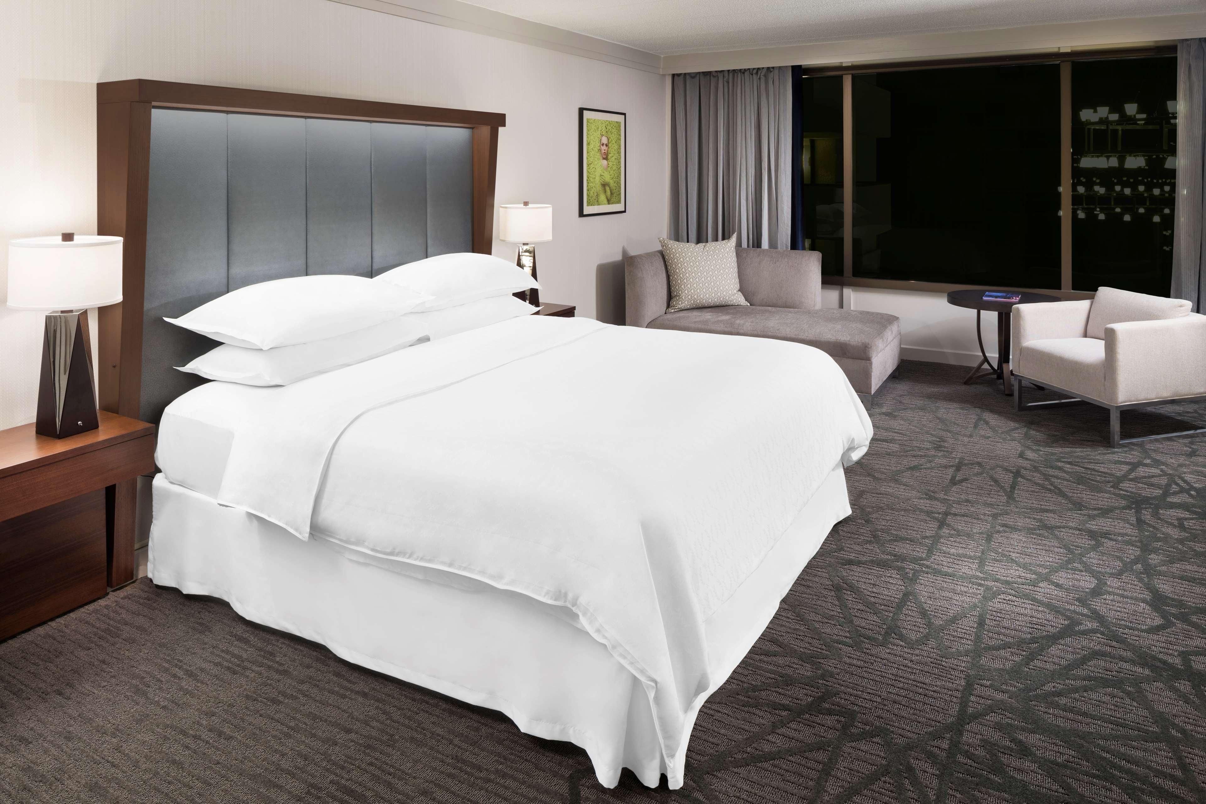 Sheraton Bloomington Hotel image 3