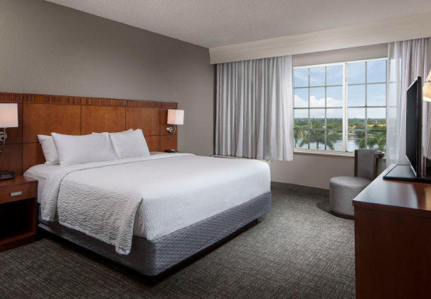 Courtyard by Marriott Fort Lauderdale Airport & Cruise Port image 8