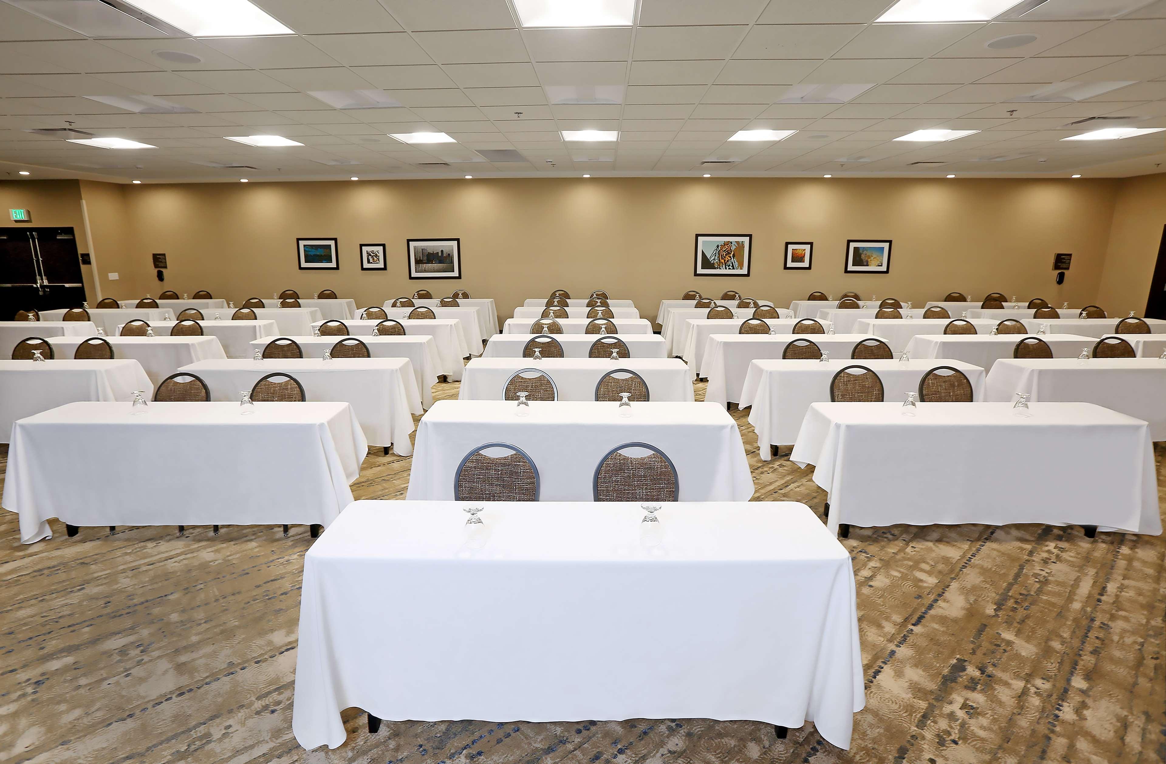 DoubleTree by Hilton West Fargo image 30
