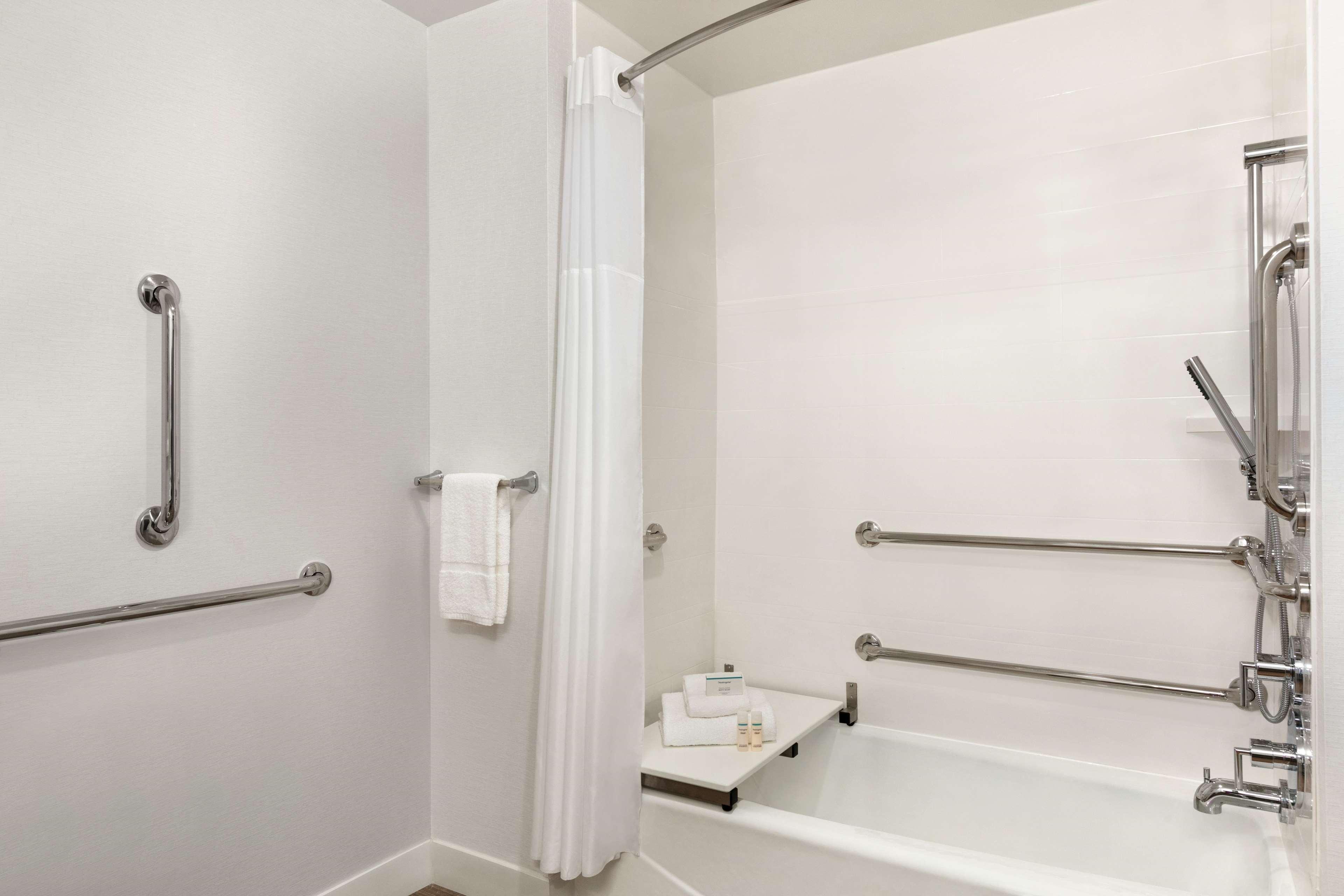 Hampton Inn and Suites Johns Creek image 31