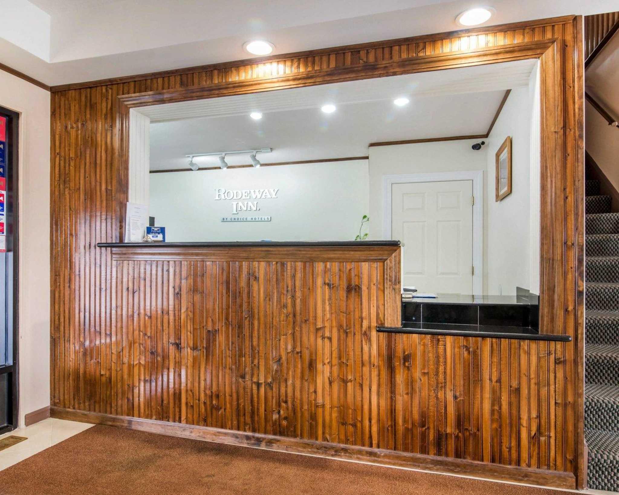 Rodeway Inn Skytop image 13