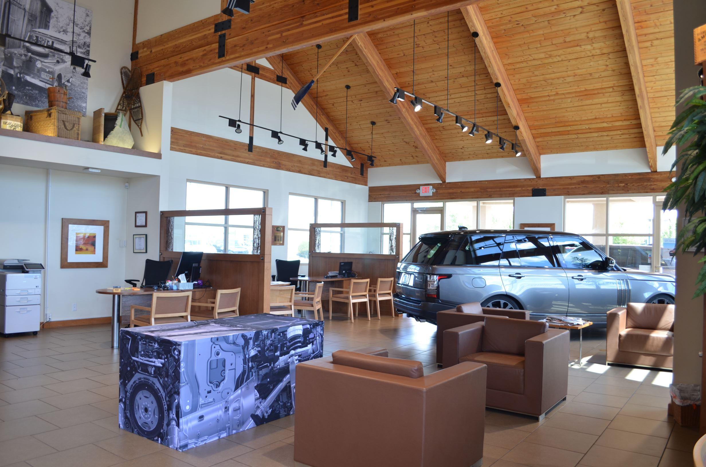 Land Rover Santa Fe image 4