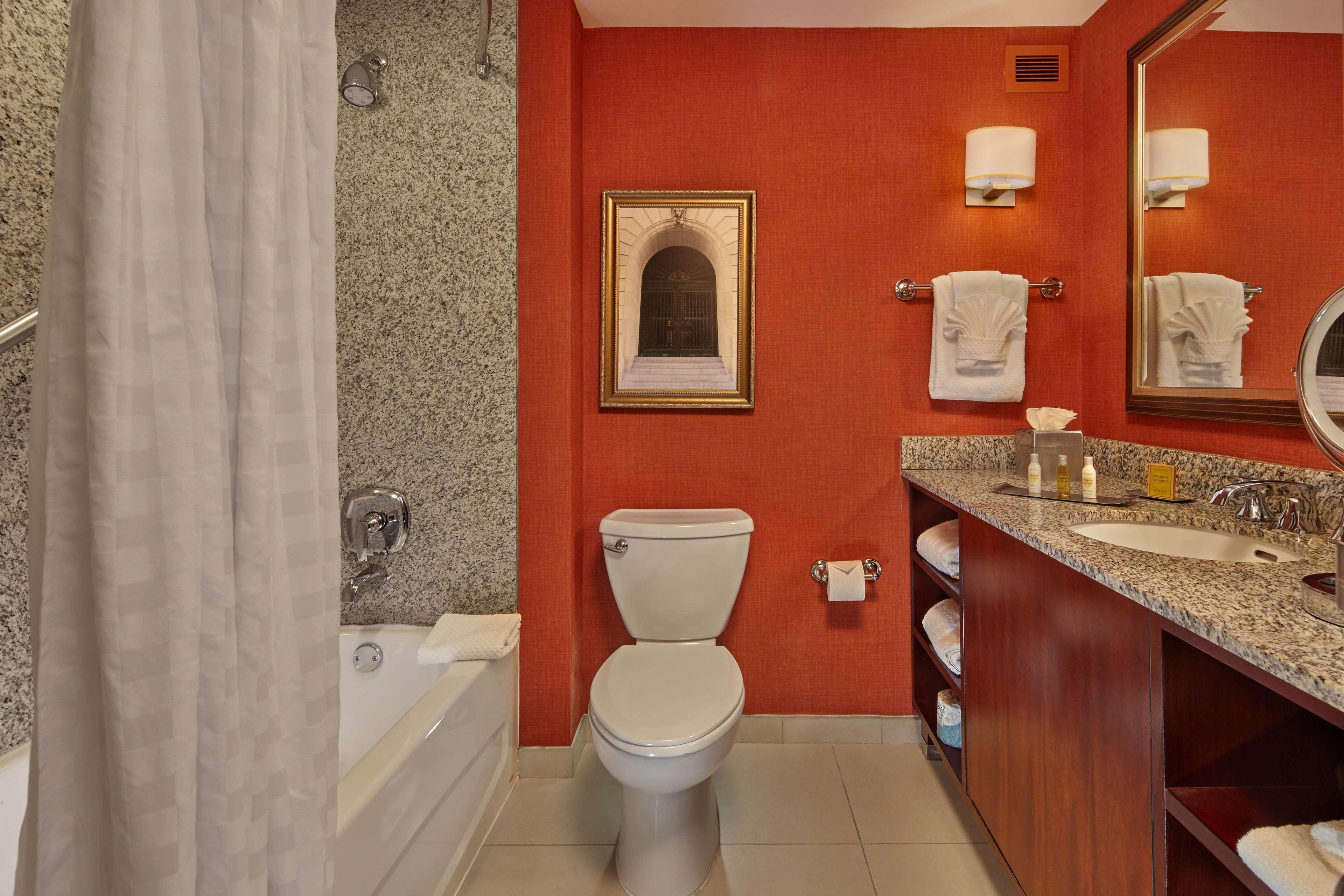 DoubleTree by Hilton Hotel Little Rock image 20