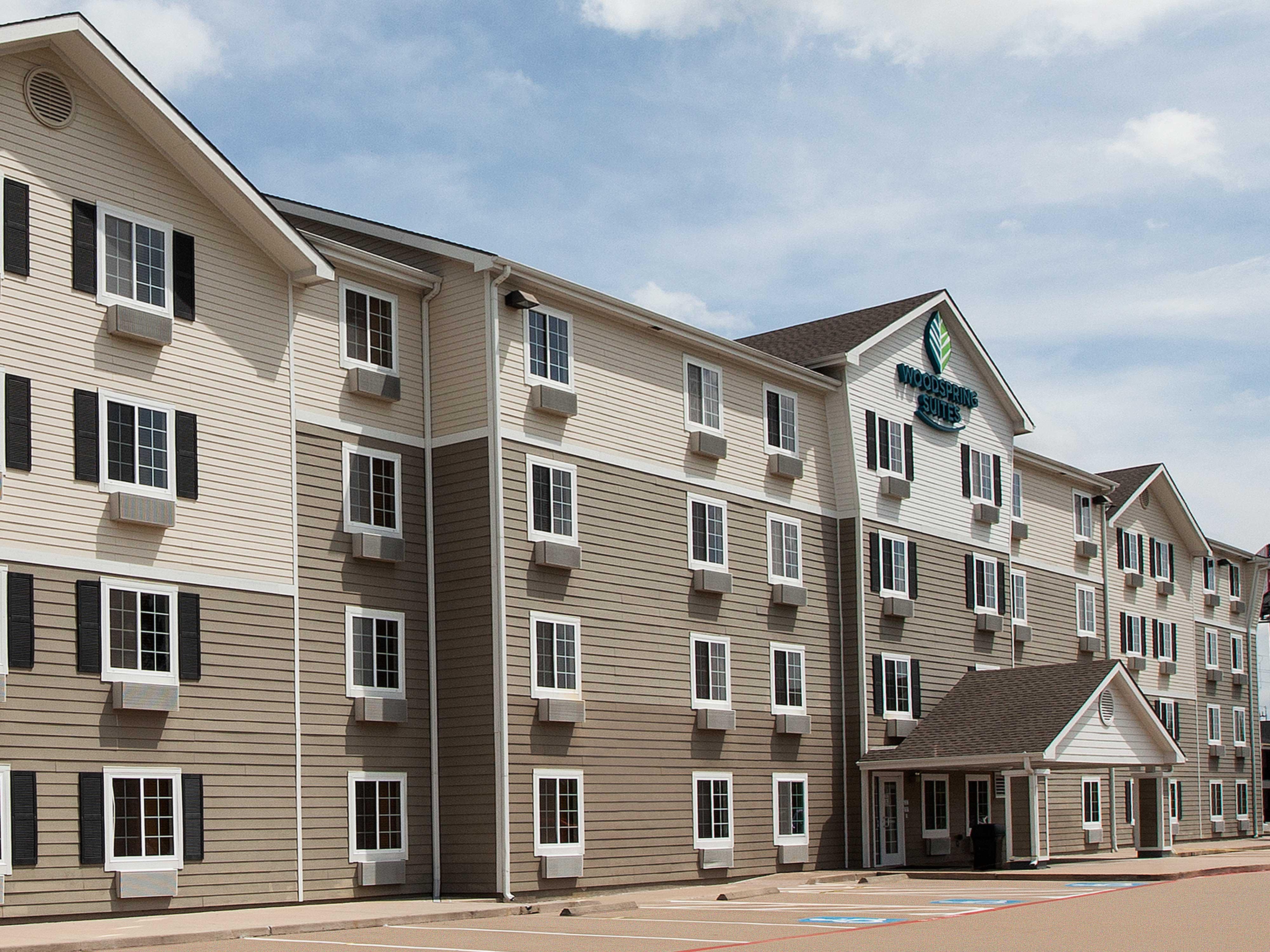 WoodSpring Suites Houston Willowbrook image 9