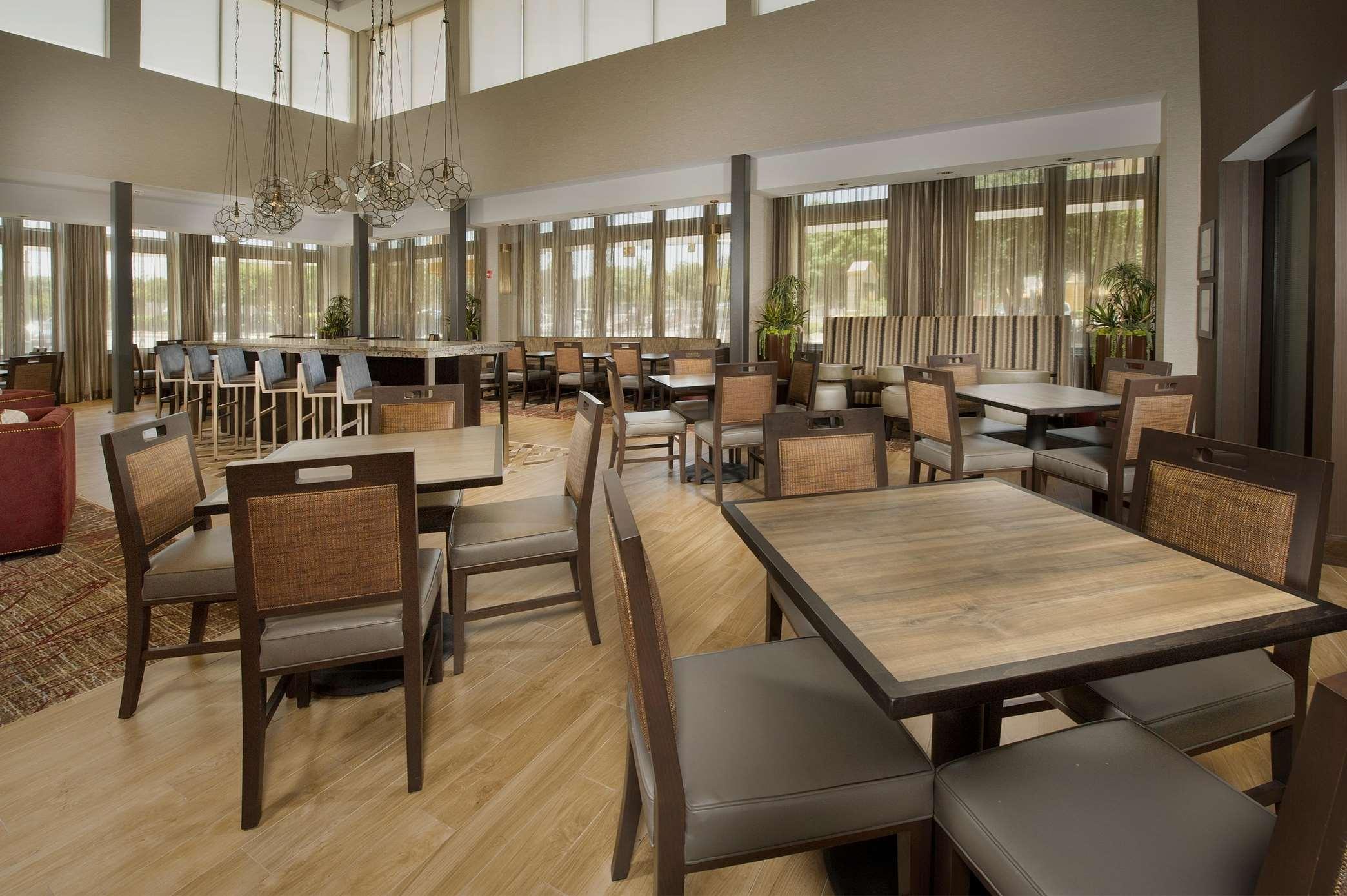 Hampton Inn & Suites San Antonio-Downtown/Market Square image 6