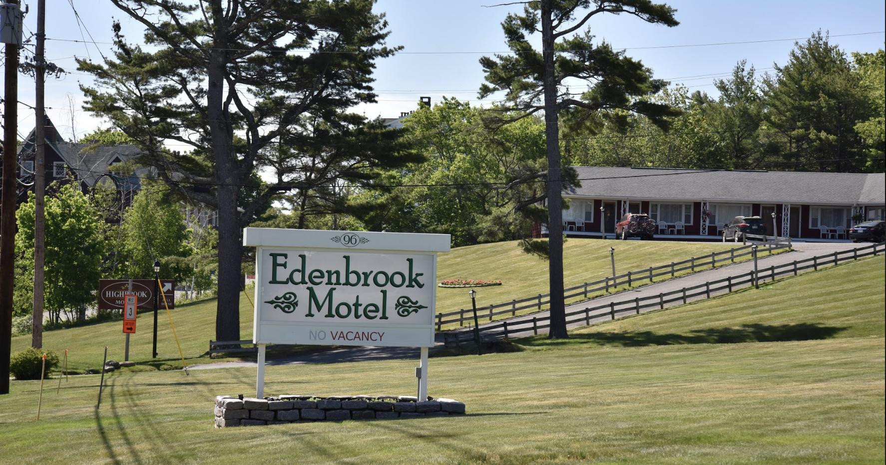Edenbrook Motel image 0