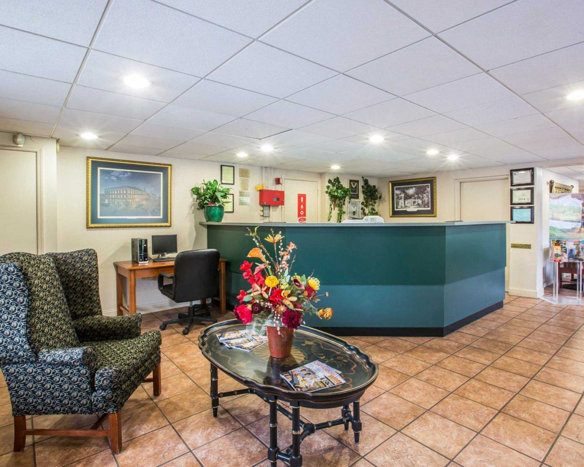 Econo Lodge Inn & Suites at Fort Benning image 15