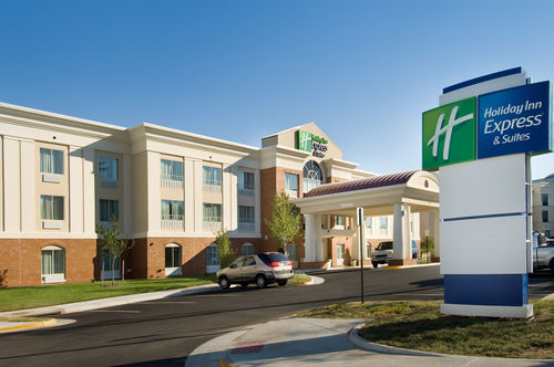 Holiday Inn Express & Suites Alexandria - Fort Belvoir image 3