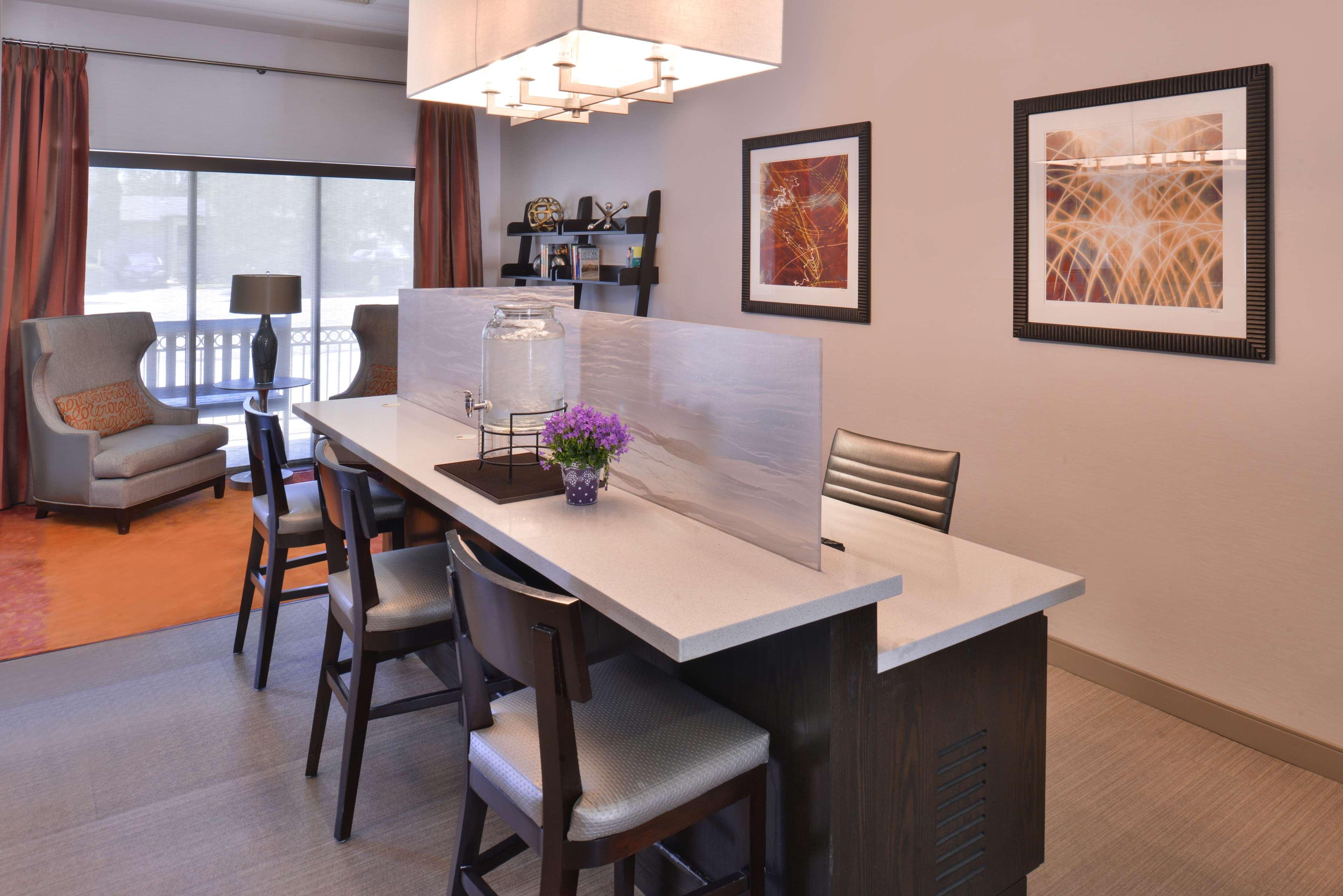 Best Western Royal Palace Inn Amp Suites At 2528 S Sepulveda