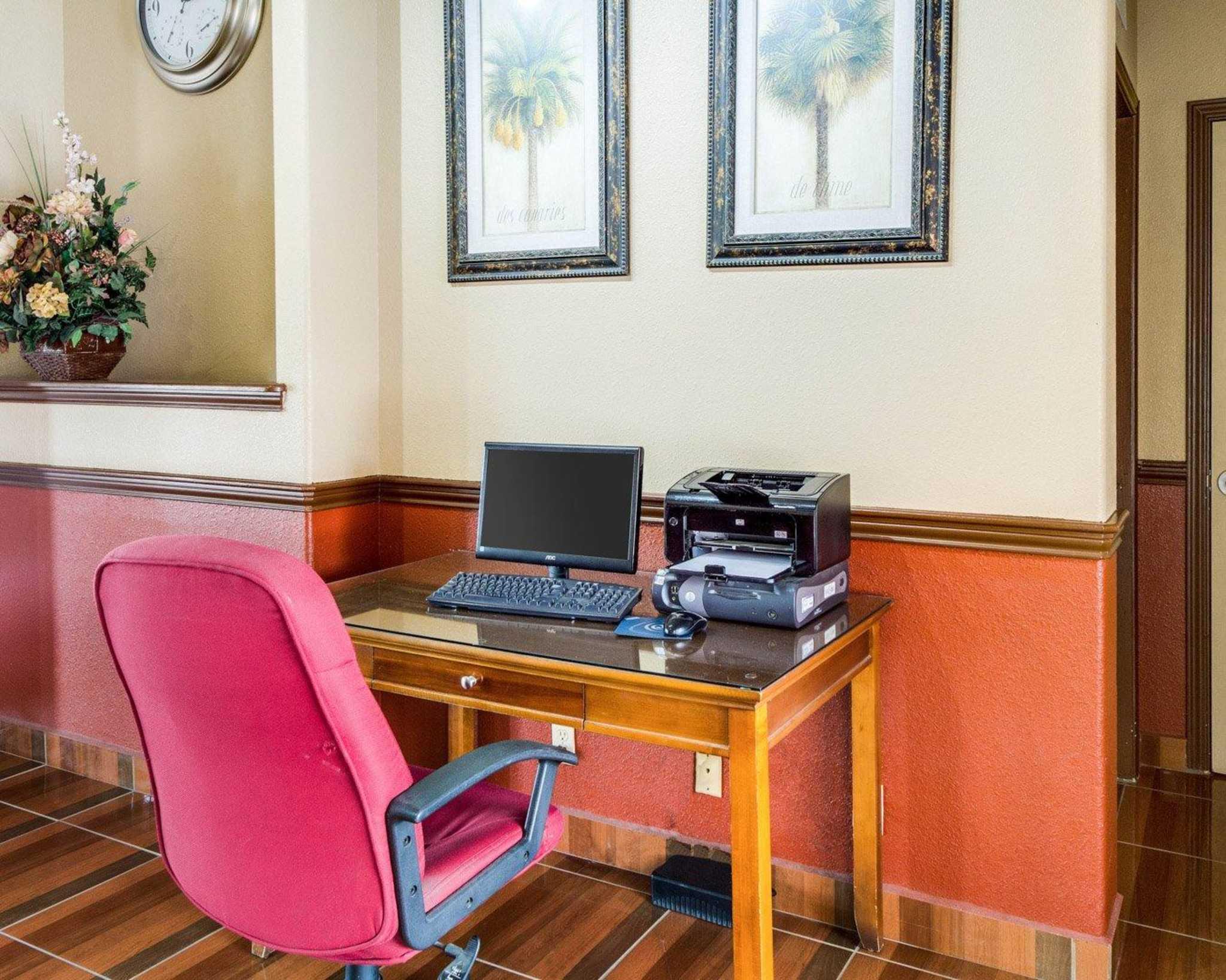 Quality Inn & Suites Eagle Pass image 24