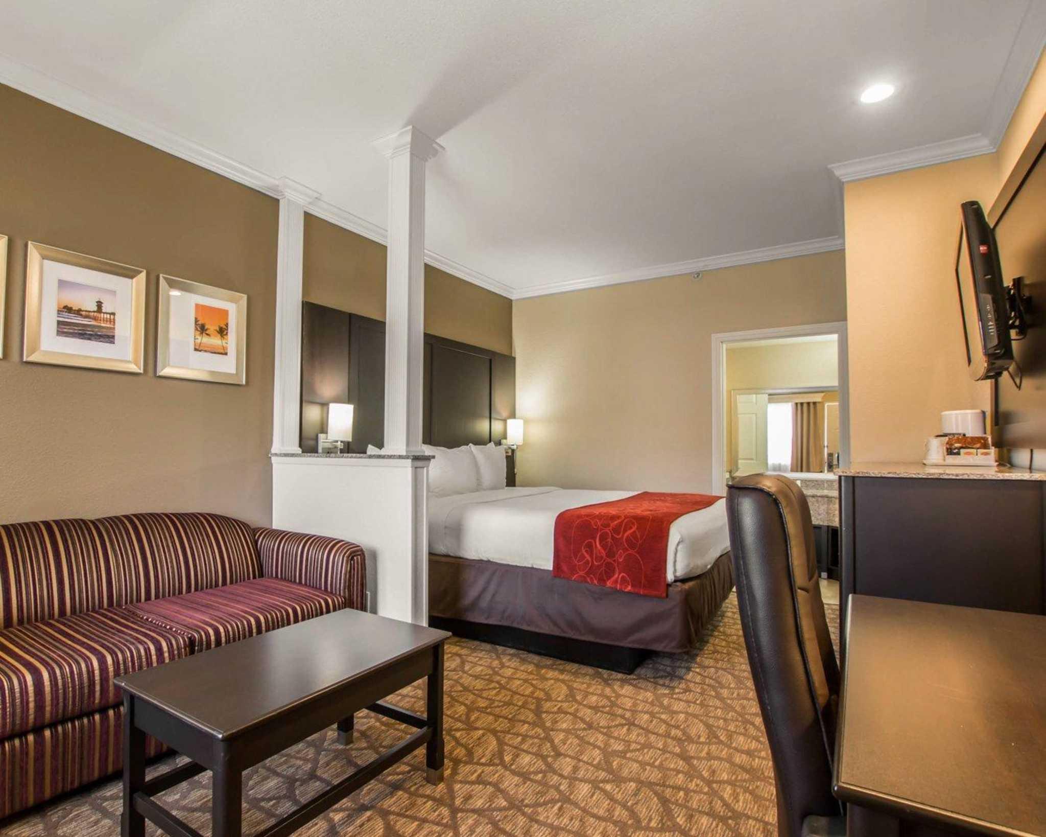 Comfort Suites Huntington Beach image 5