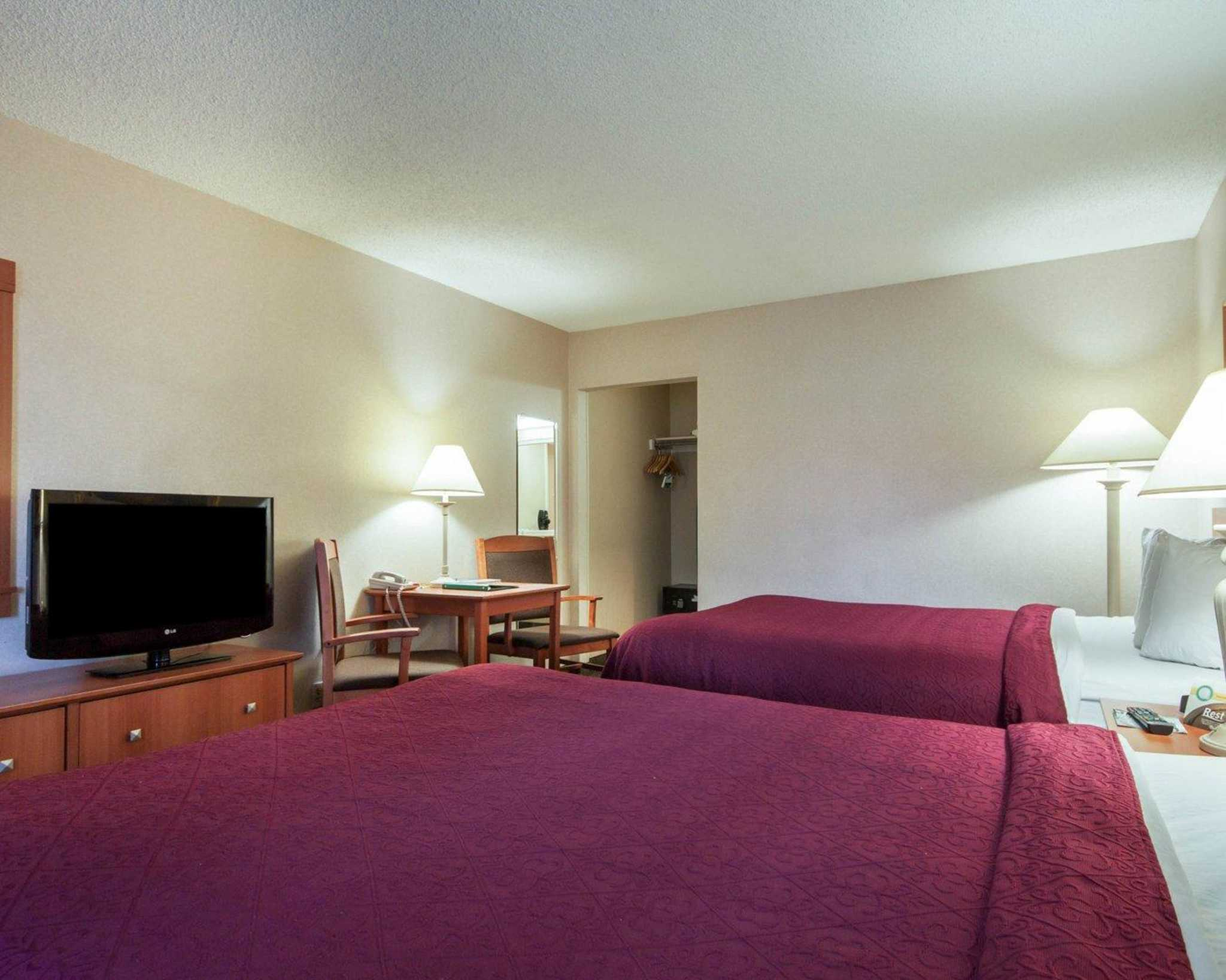 Quality Inn Airport East image 14