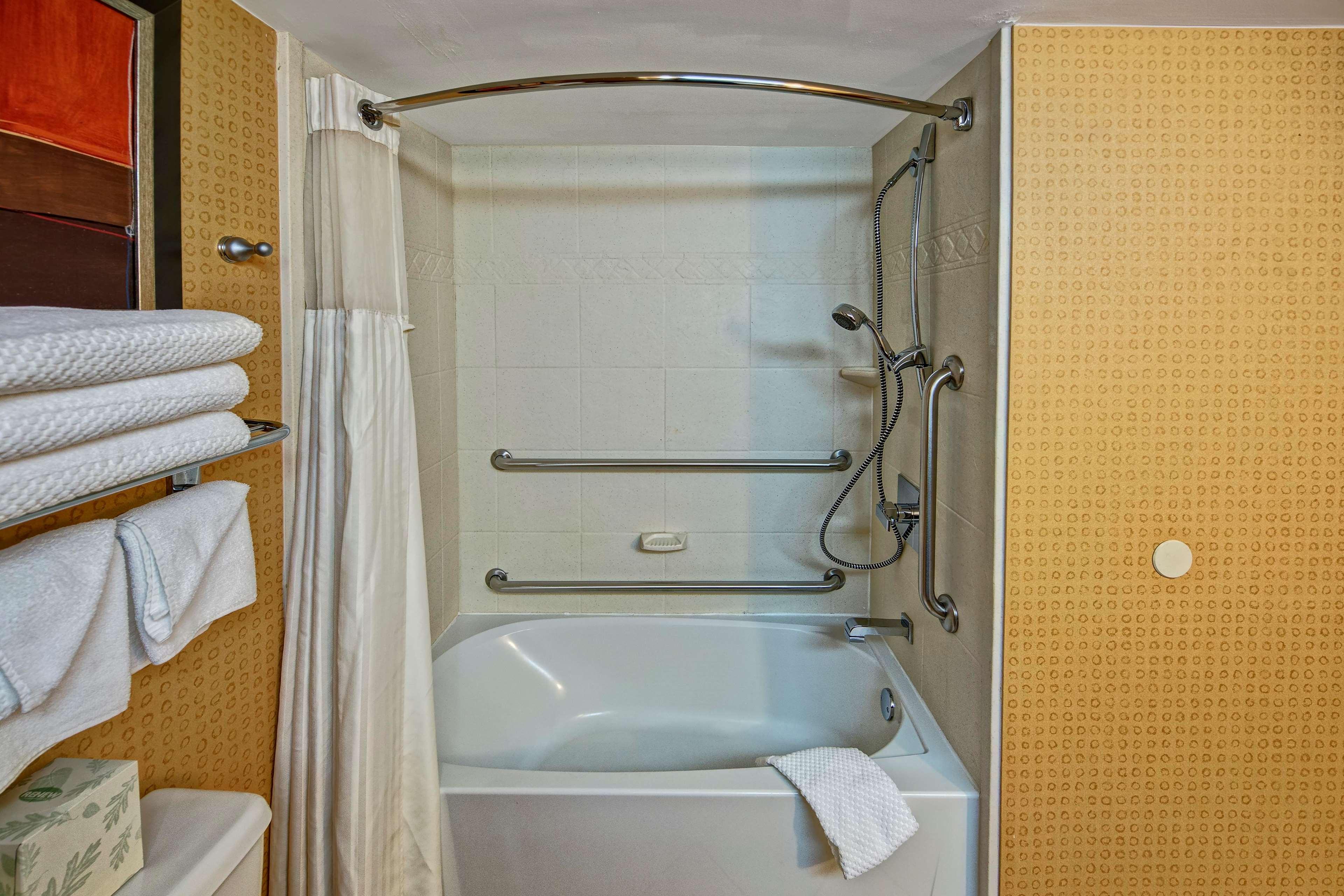 DoubleTree by Hilton Hotel Oak Ridge - Knoxville image 32