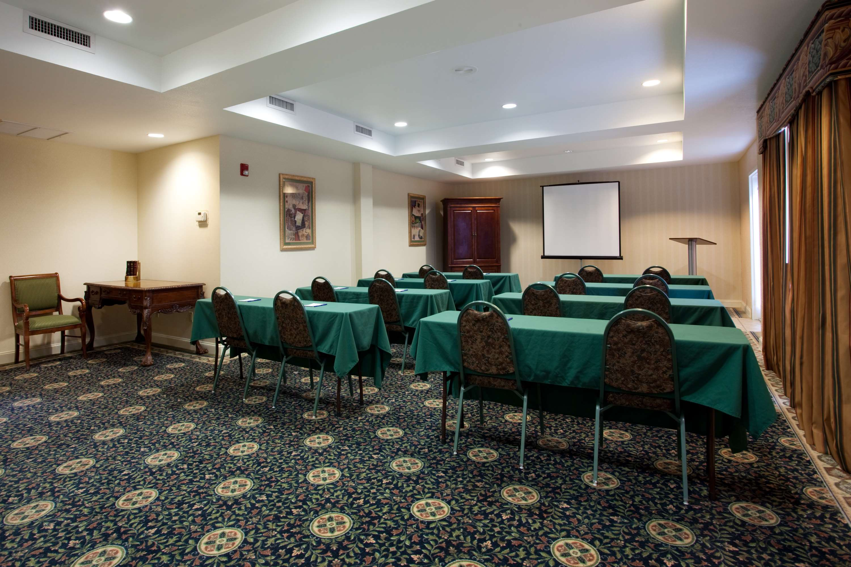 Best Western Plus Executive Hotel & Suites image 9