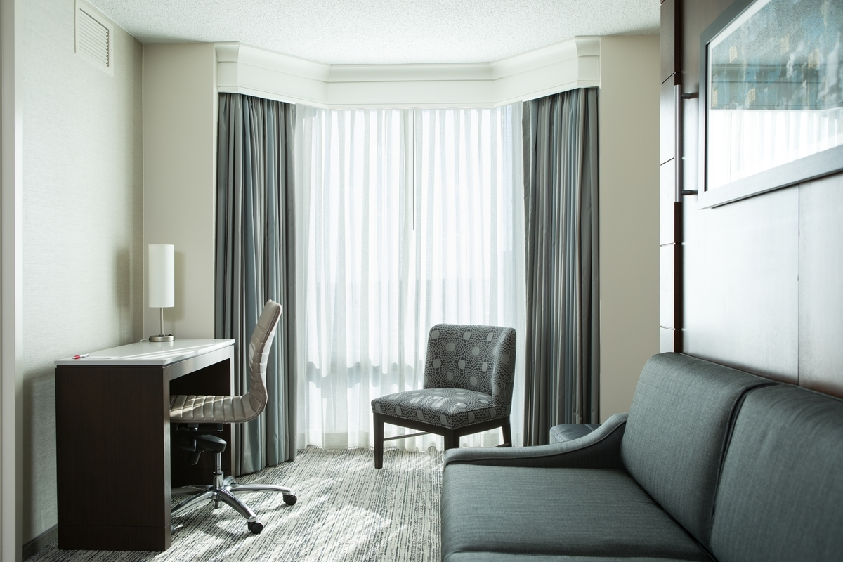 Chicago Marriott Suites Downers Grove image 9