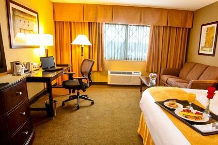 Radisson Hotel Nashua image 2