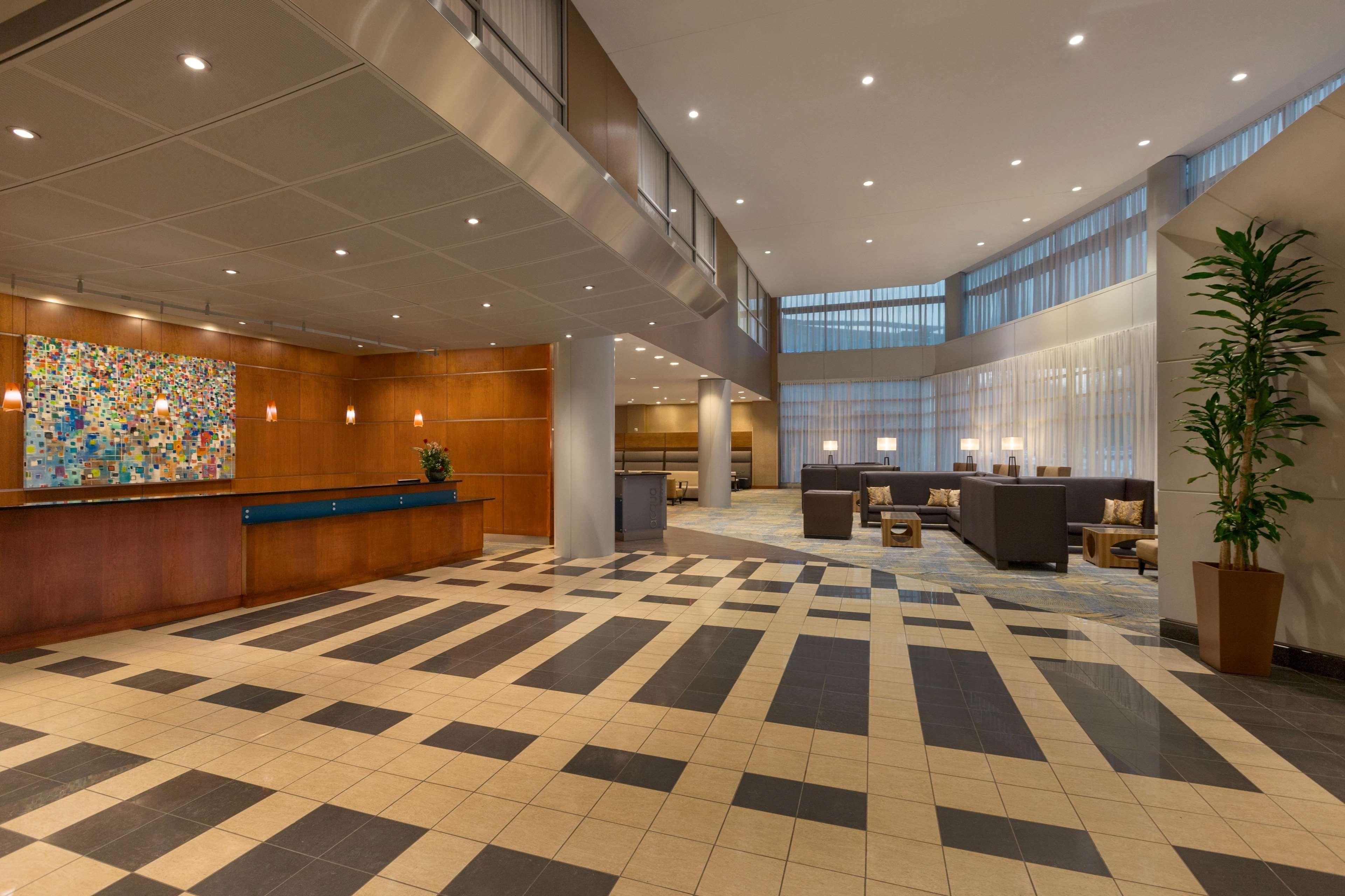 Hilton Baltimore BWI Airport image 3