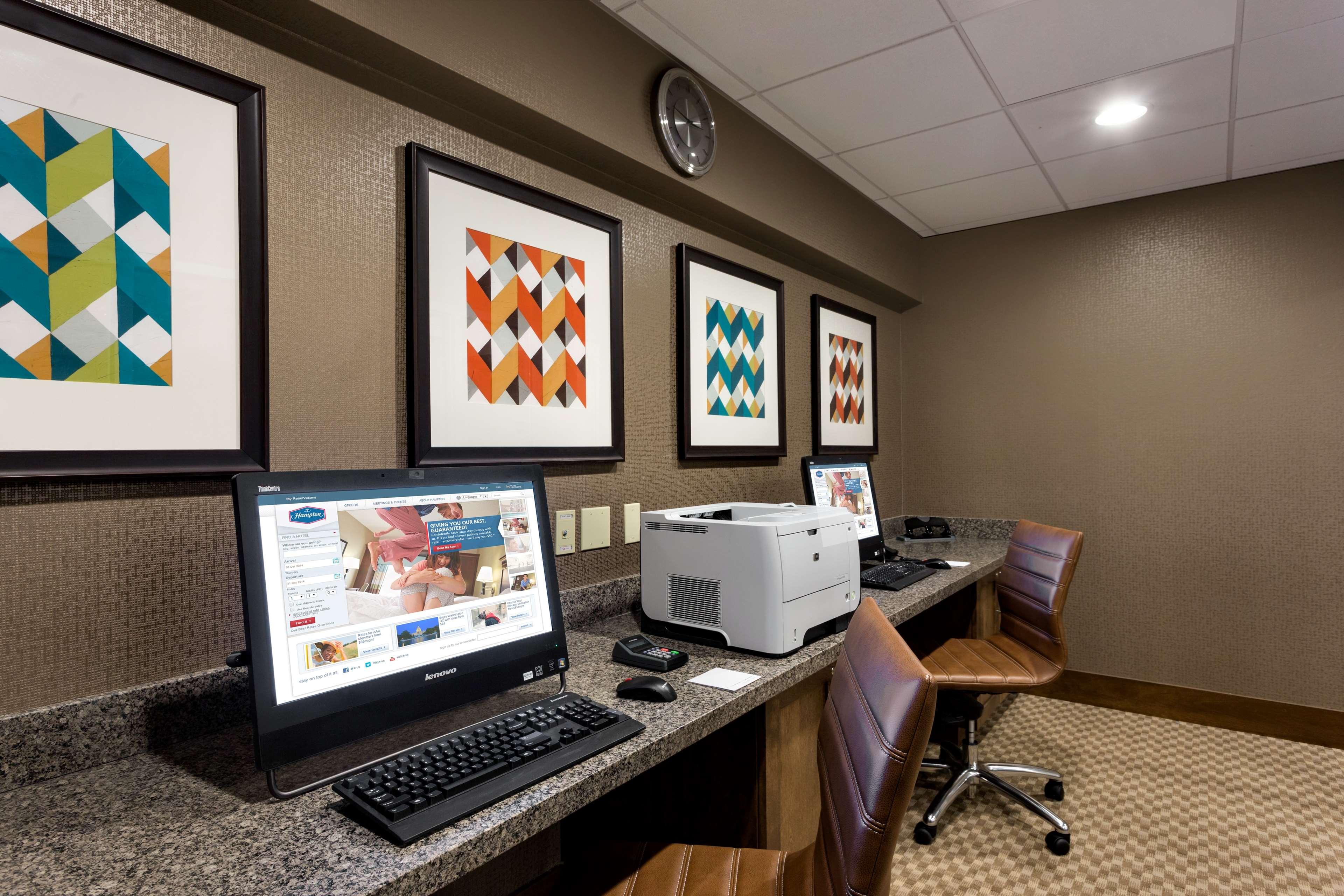 Hampton Inn and Suites Clayton/St Louis-Galleria Area image 37