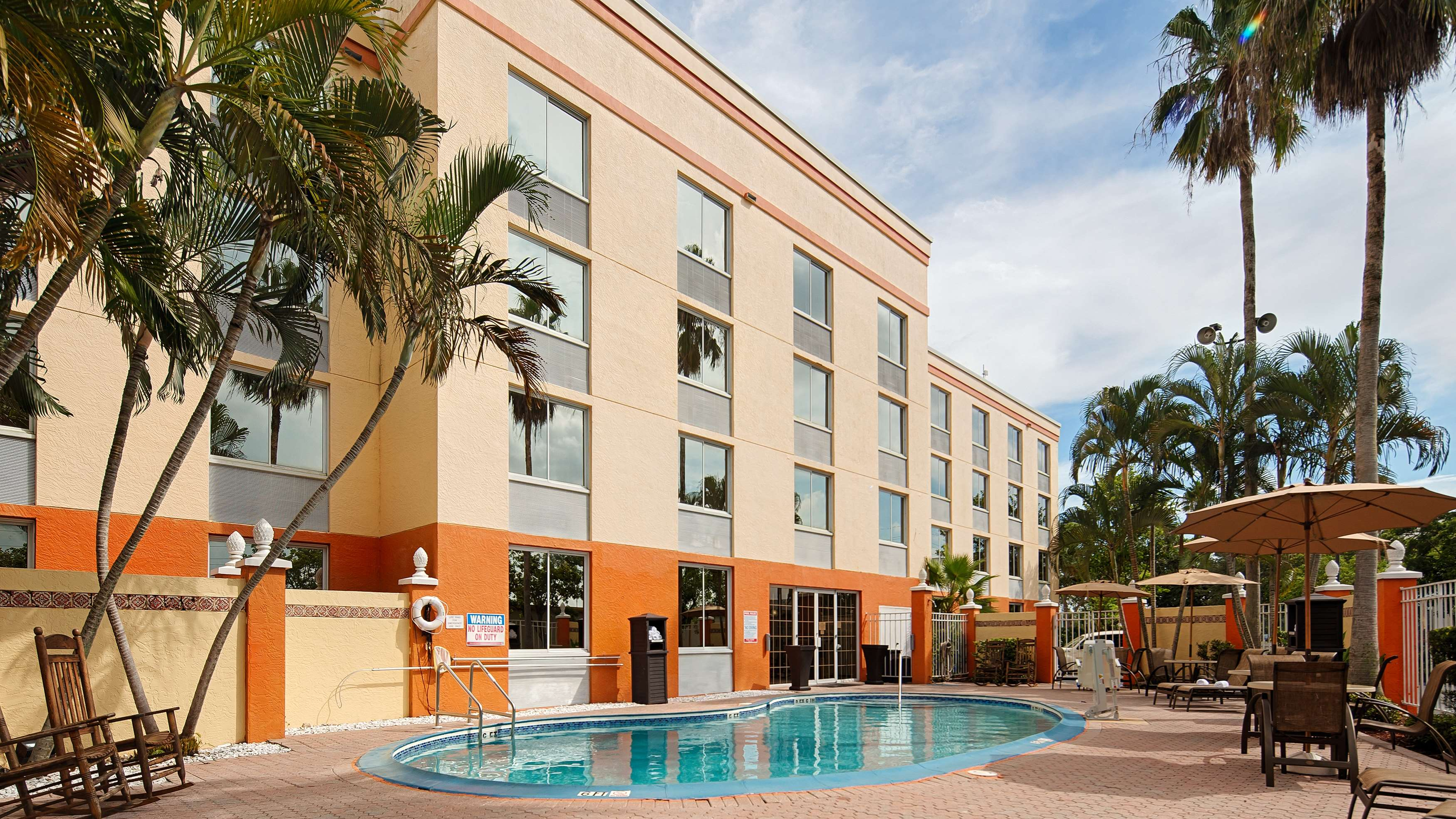 Best Western Fort Myers Inn Suites 4400 Ford Street Ext Fl Hotels Motels Mapquest