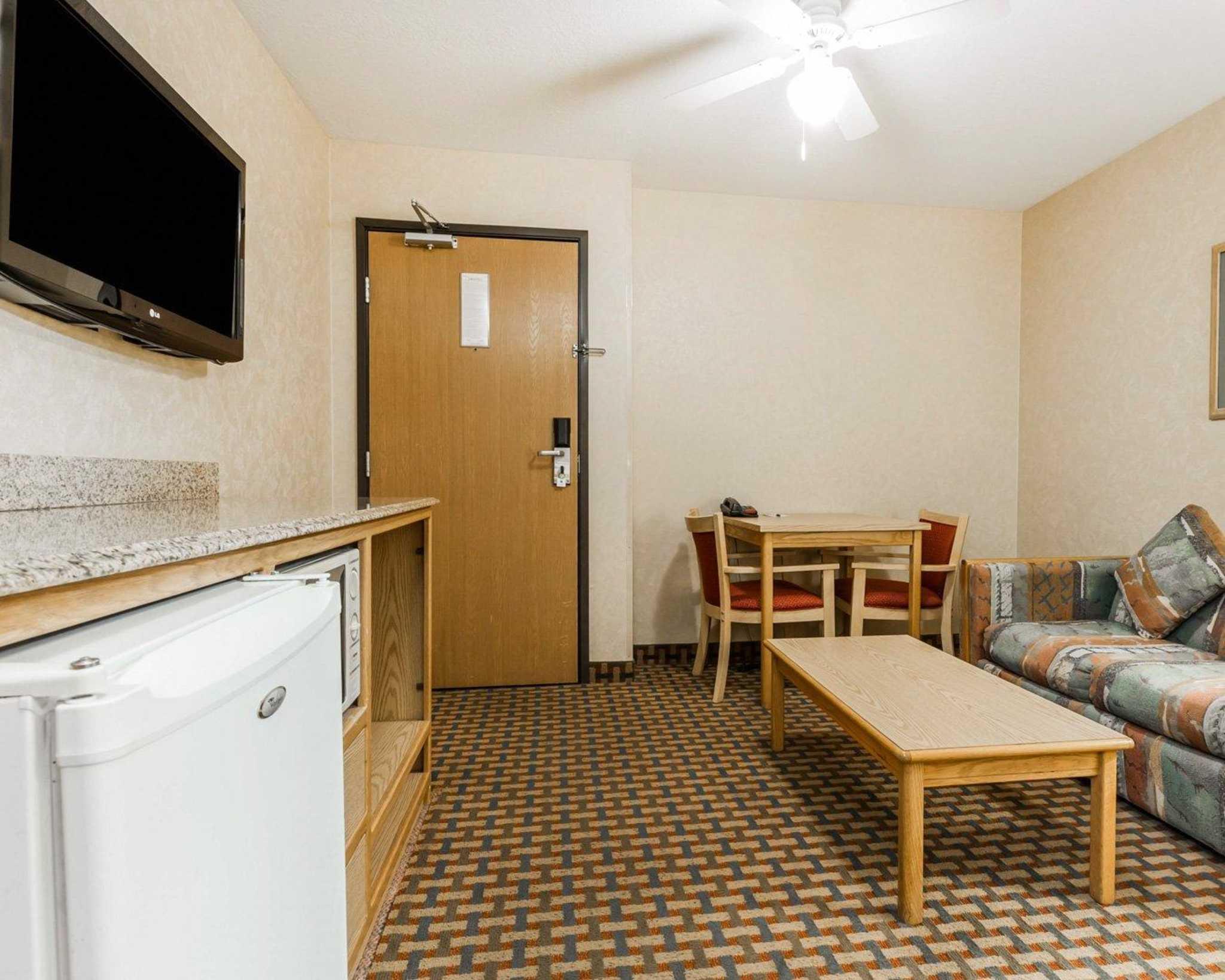 Quality Inn & Suites Surprise Near Sun City West image 33