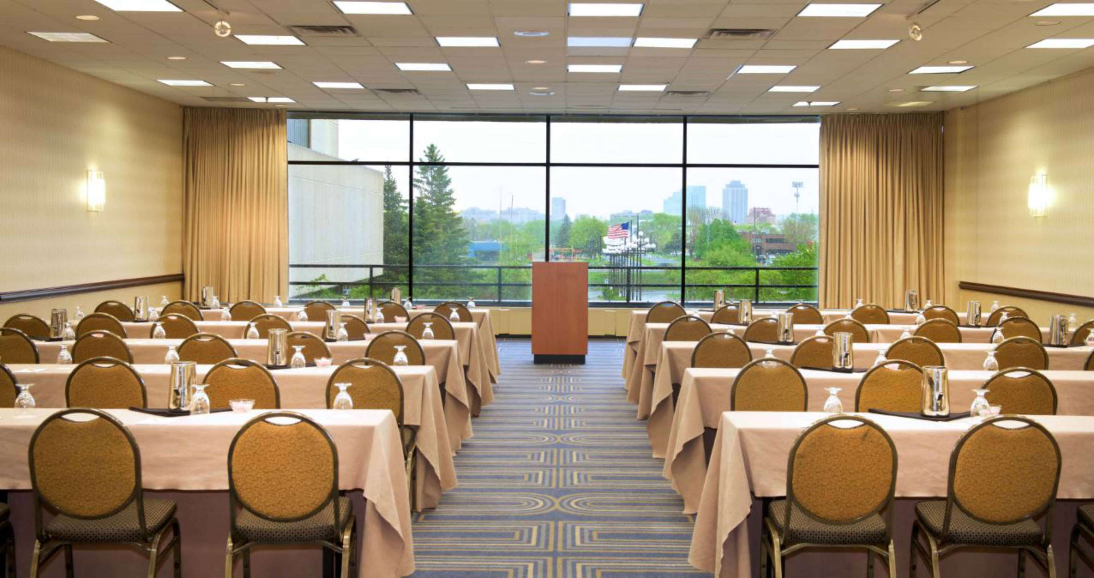 DoubleTree by Hilton Hotel Bloomington - Minneapolis South image 29