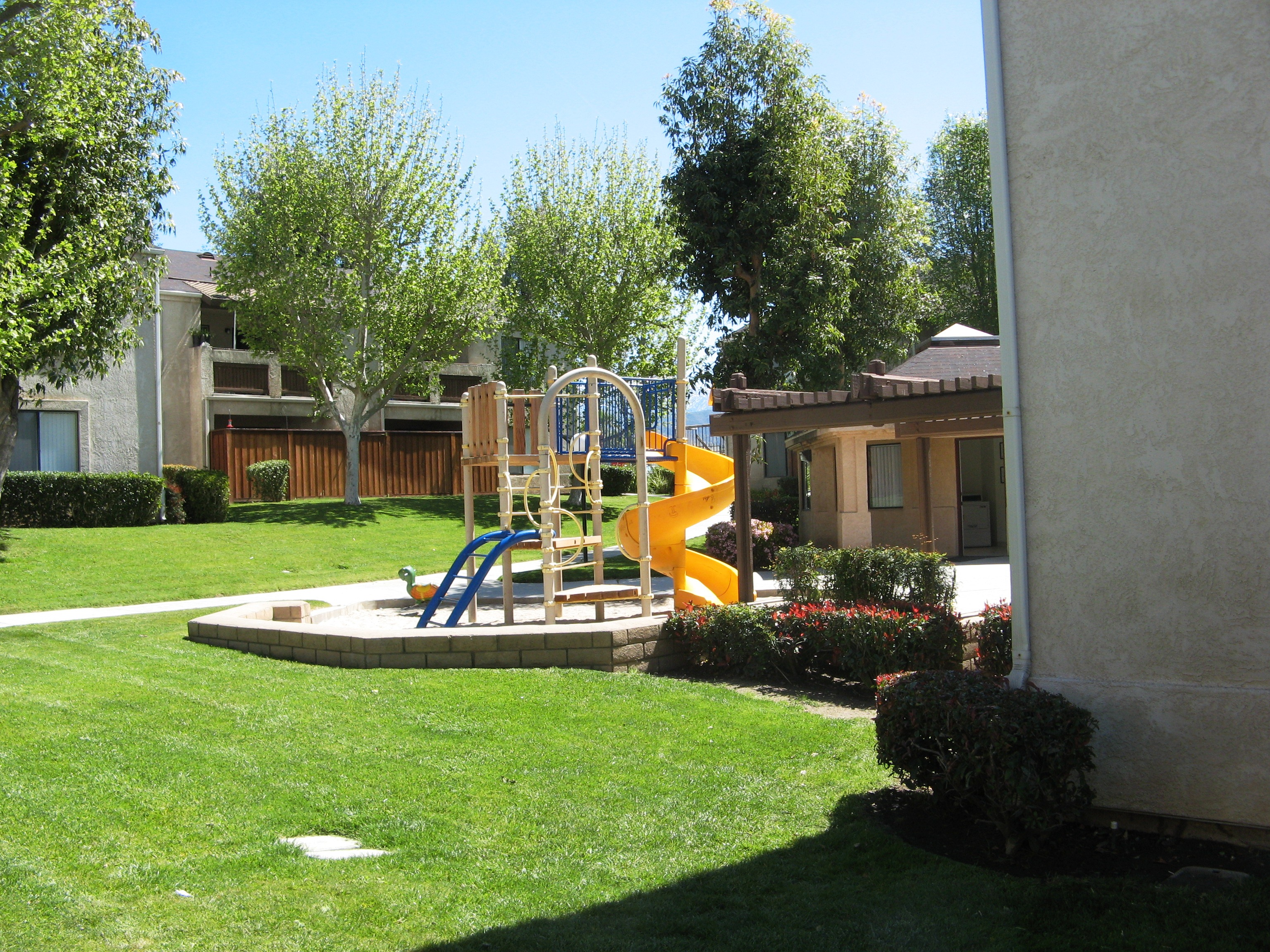 Highland Meadows Apartments image 4