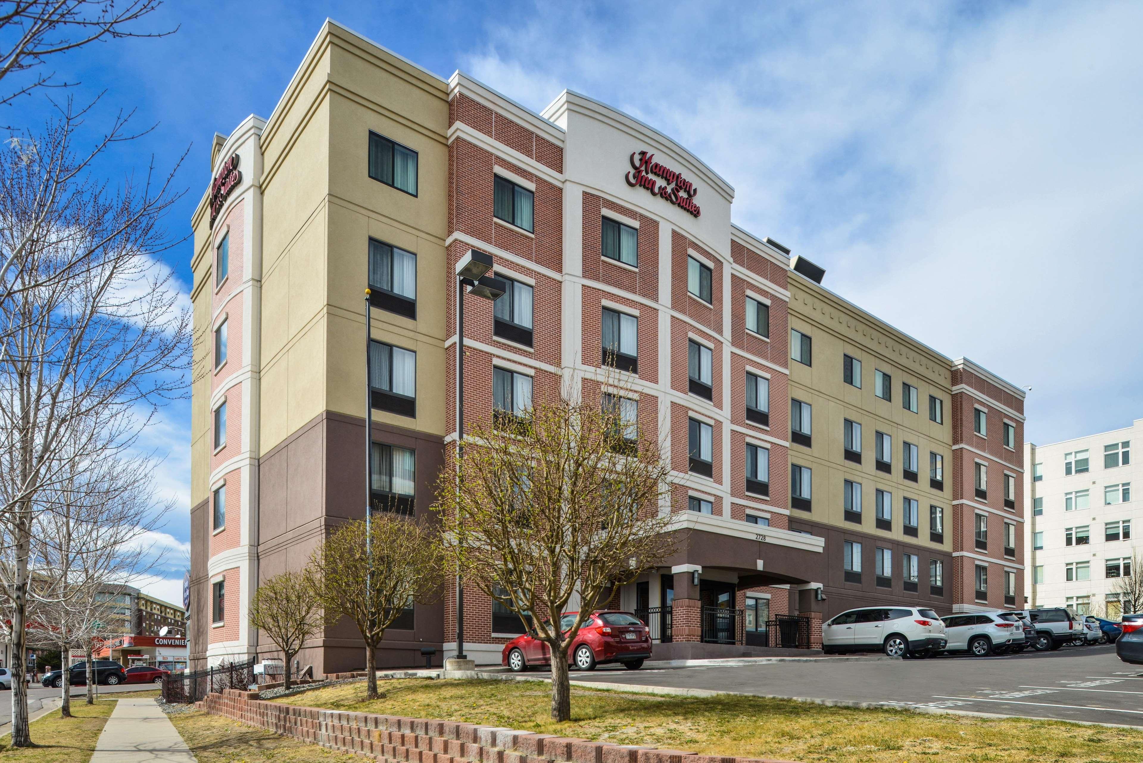 Hampton Inn & Suites Denver-Speer Boulevard image 30