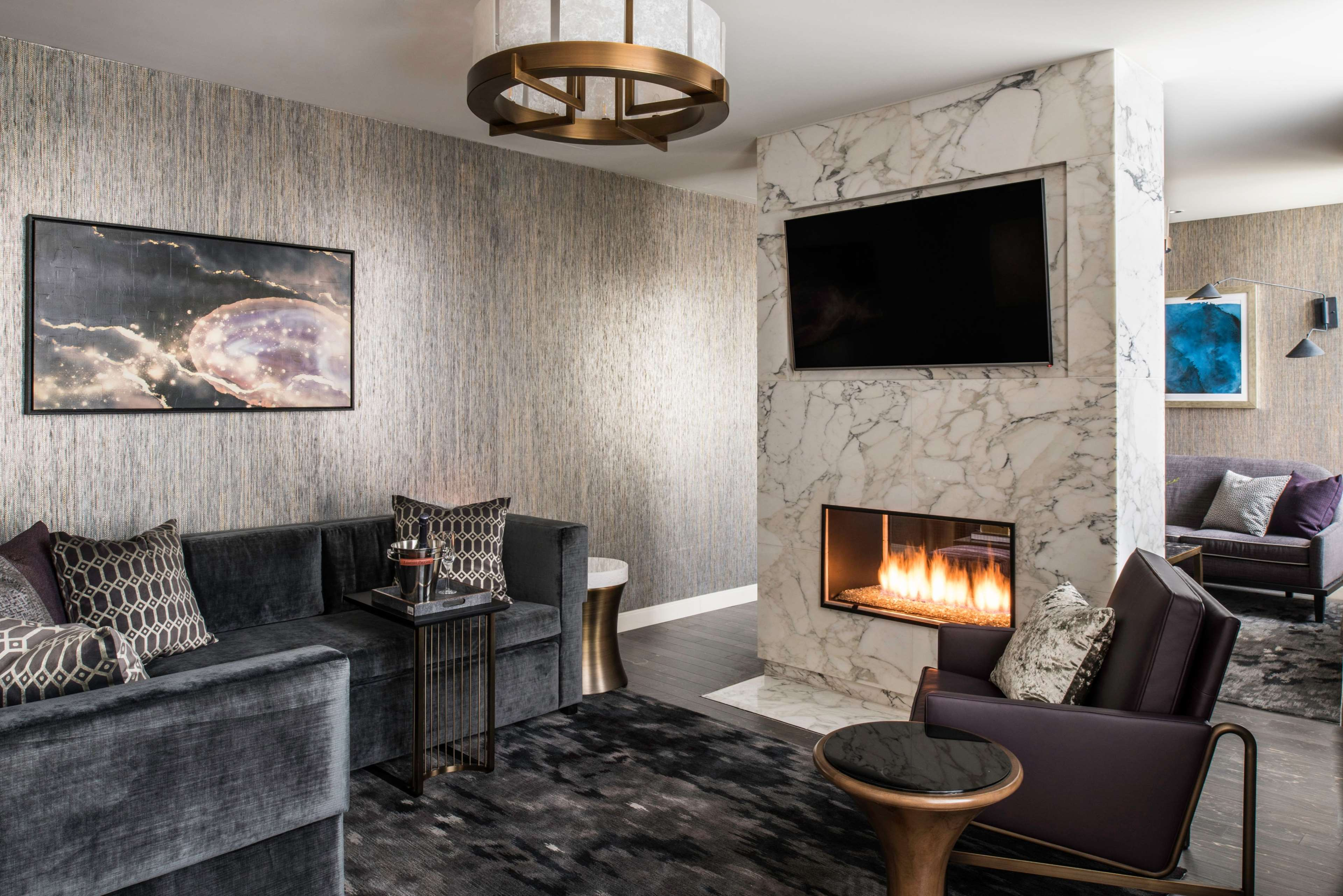LondonHouse Chicago, Curio Collection by Hilton image 23
