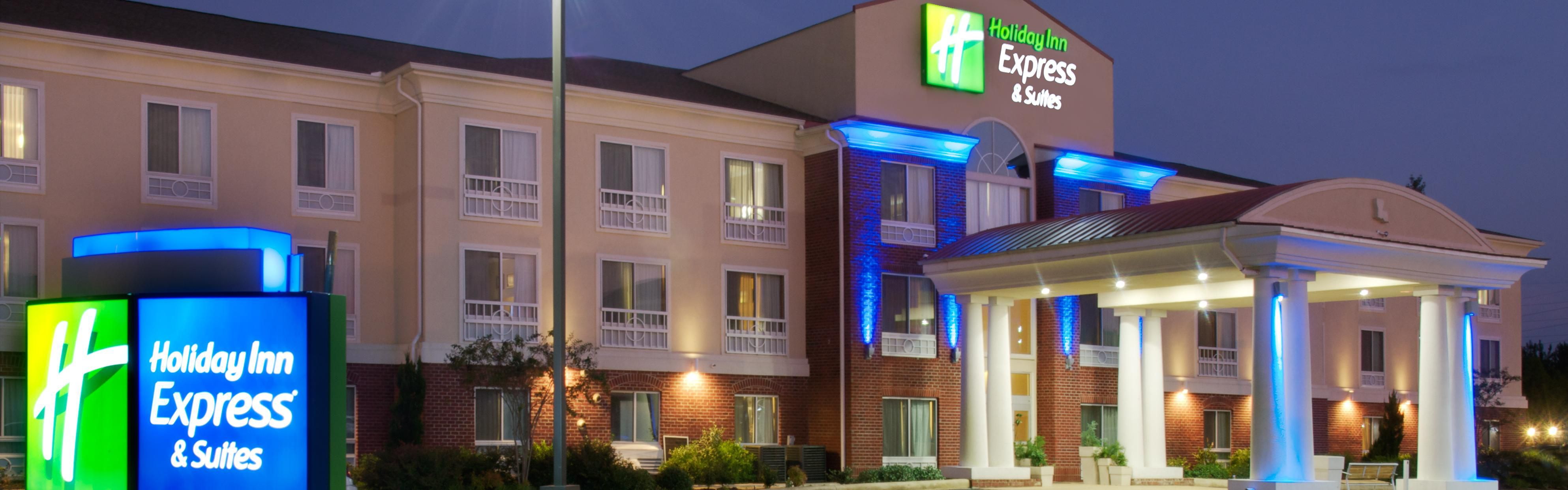 Holiday Inn Express & Suites Natchitoches image 0