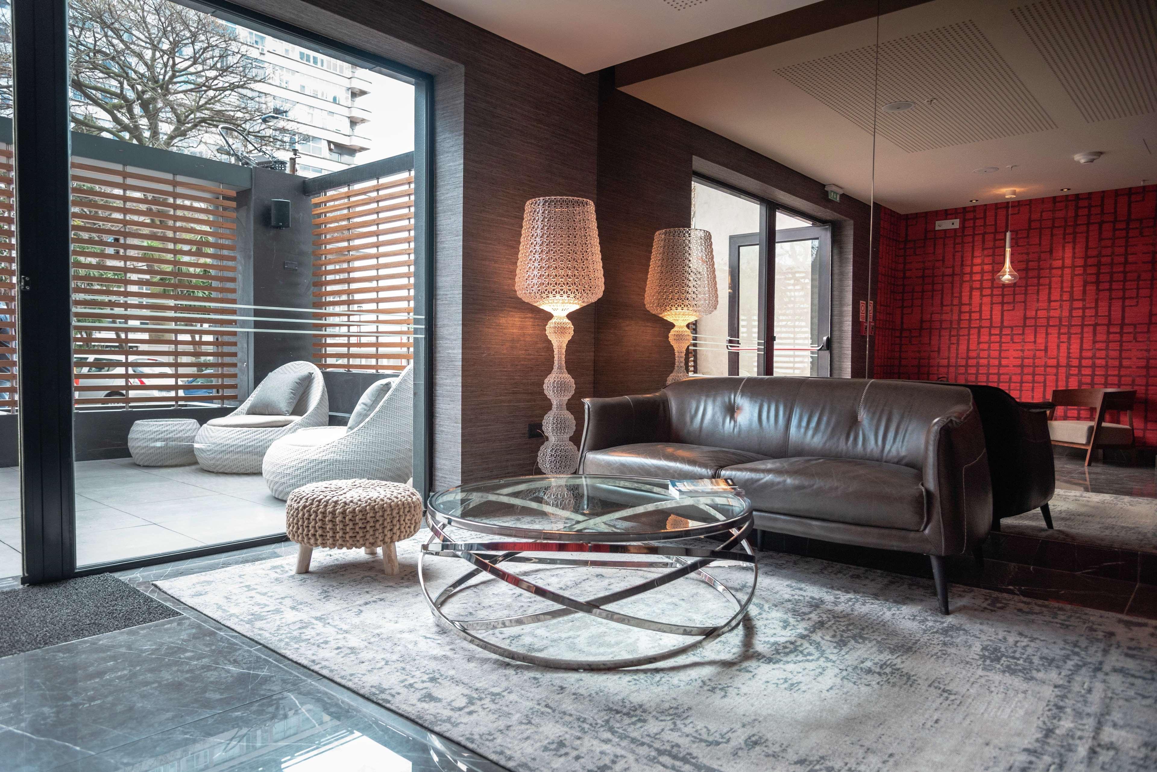 SORO Montevideo, Curio Collection by Hilton